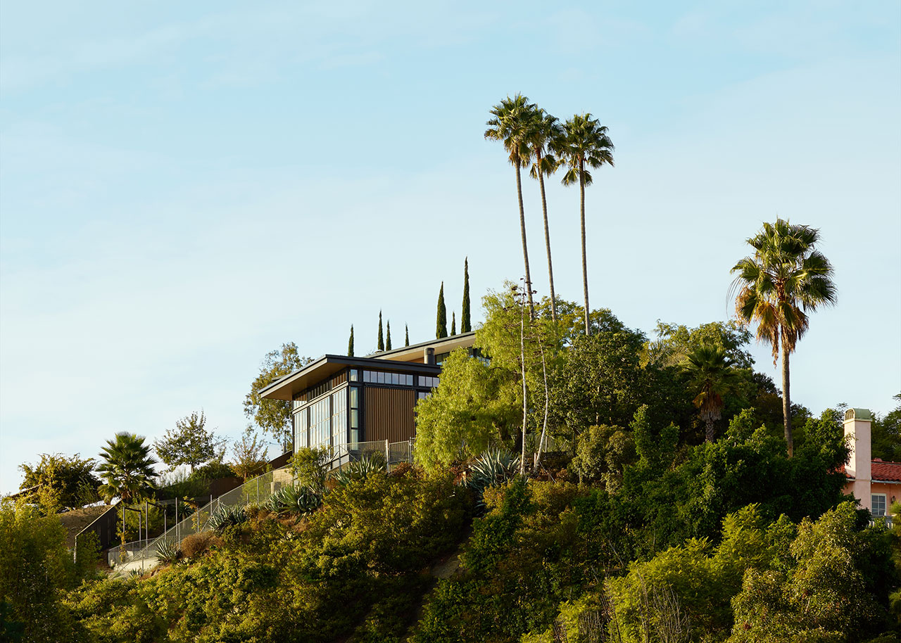 HollywoodHillsHouse by Mutuus Studio in Los Angeles, California.Photography by Kevin Scott.