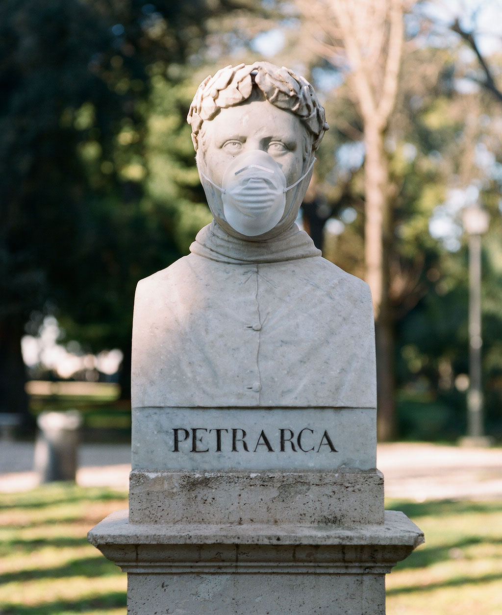 Bust of poet Petrarch (1304-1374) at Villa Borghese gardens, Rome. Photo © Federico Pestilli.