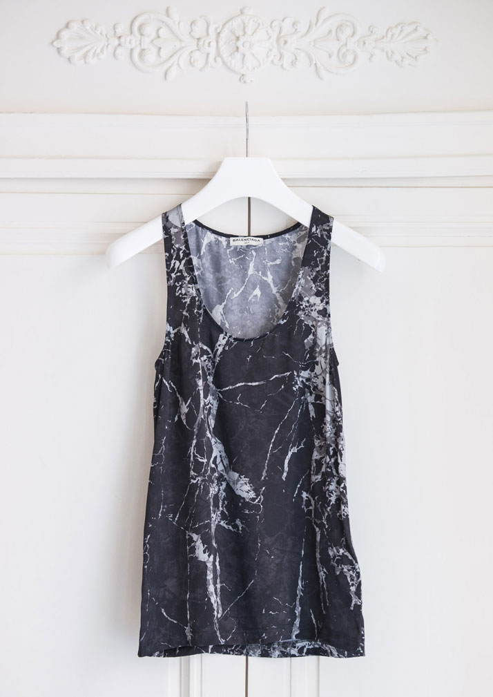 Black marble-print silk top by Balenciaga. Photo © Département Féminin.