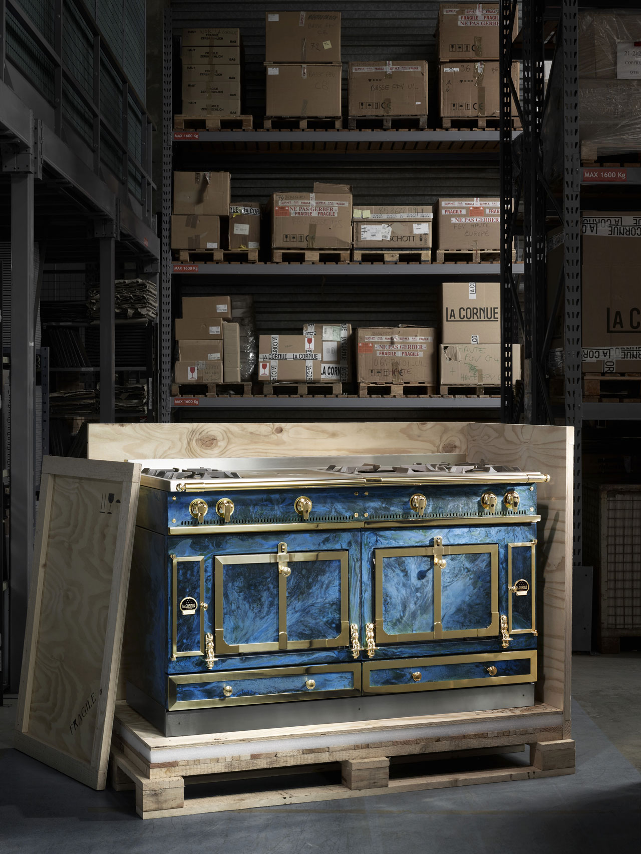 The Château kitchen by Lex Pott for La Cornue. Lex Pott has been working with oxidised and polished brass to create beautiful electric blue textures.