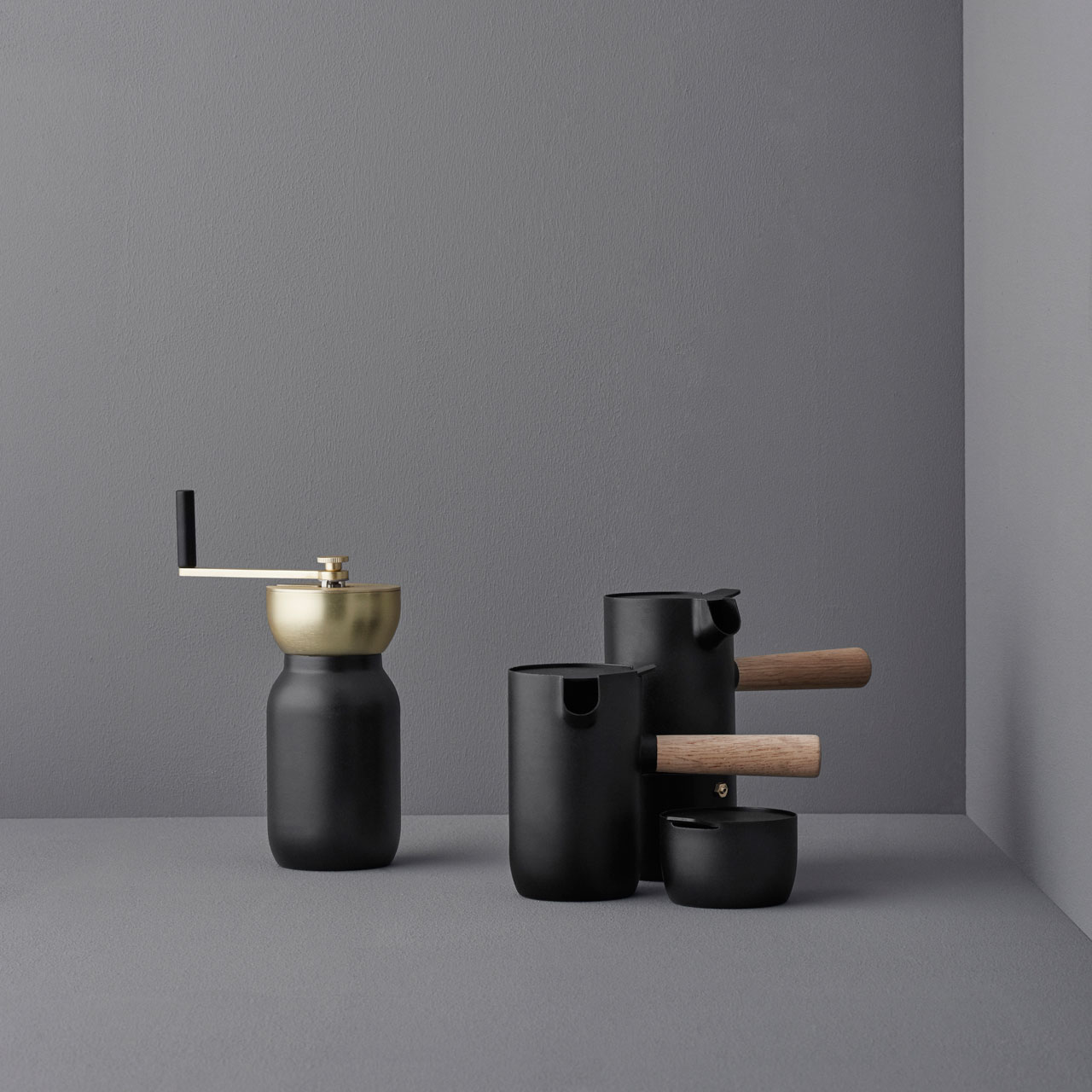The Collar collection by Daniel Debiasi and Federico Sandri (Something design studio) for Stelton.
