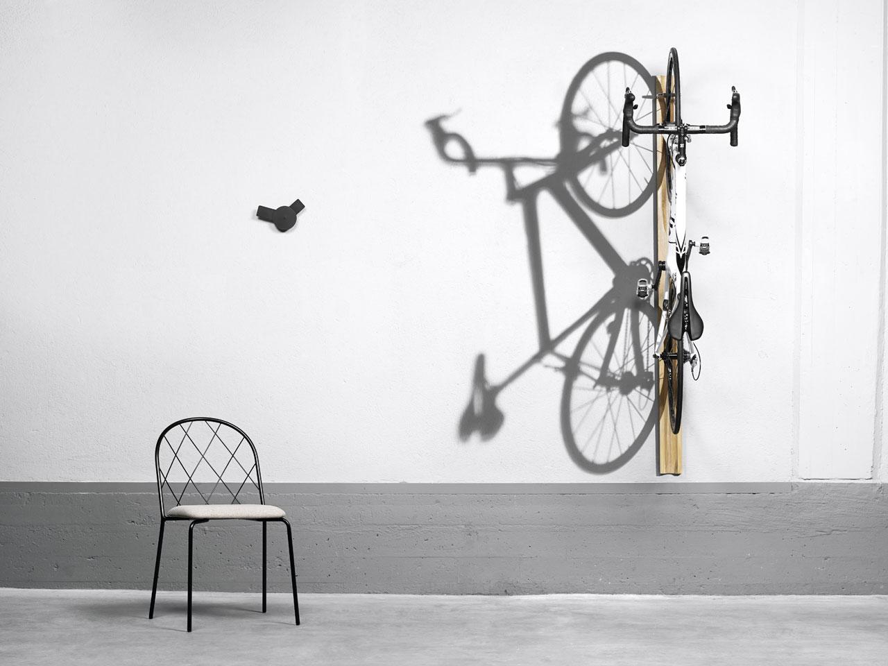 Meshchair byLars Hofsjö,O´clock wall clock byLouise Hederström andGirowall-mounted cycle rack byMattias Stenberg for David Design.