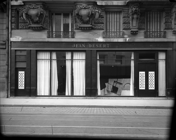 Jean Désert, the shop Eileen Gray opened in 1922 on the Rue du Faubourg Saint-Honoré, Paris, to showcase and sell her work (AAD no. AAD/1980/9. © National Museum of Ireland.