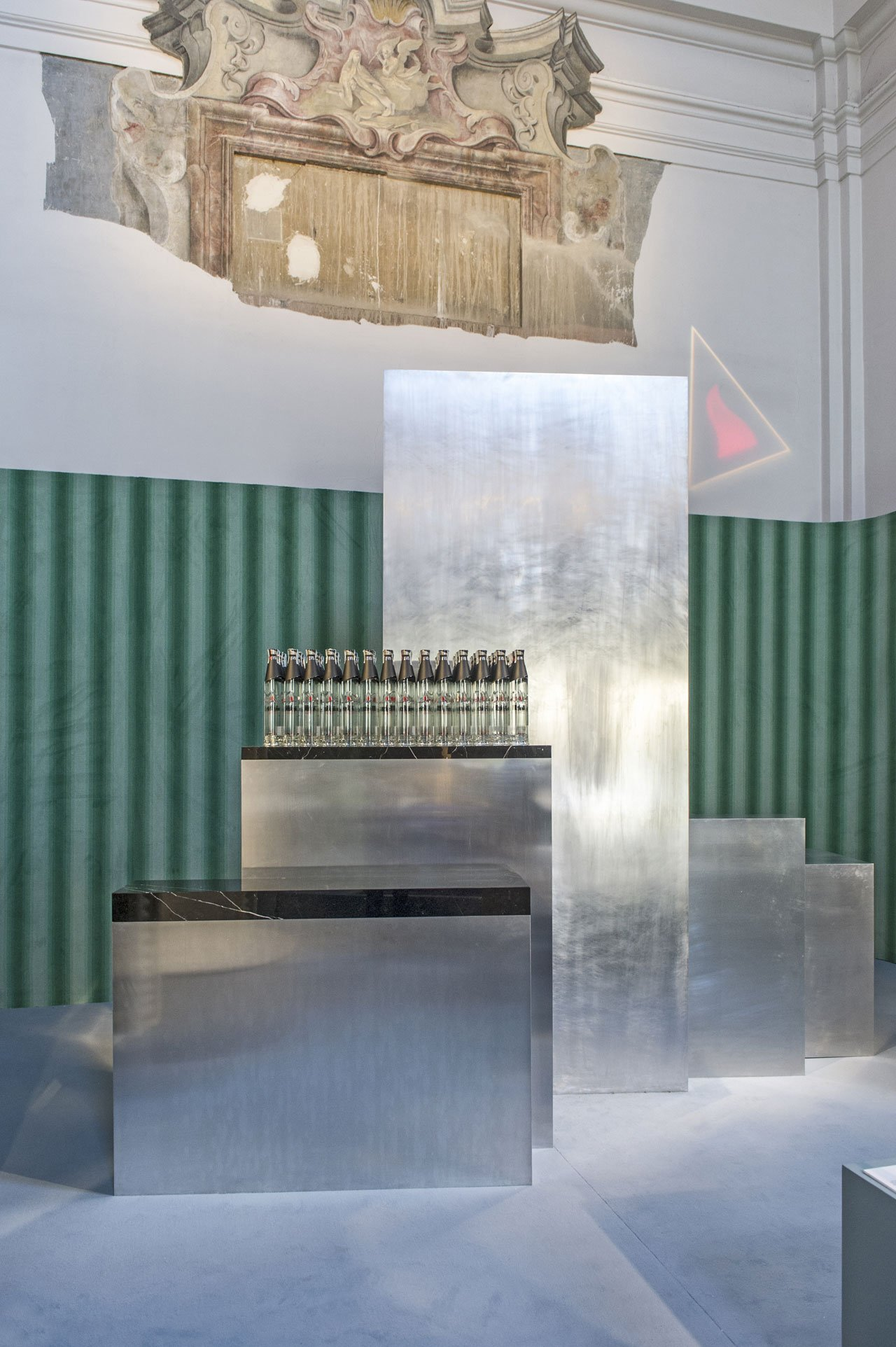 ELIT PROUN BAR inspired by the Russian avant-garde by Carmody Groarke for elit® Vodka.