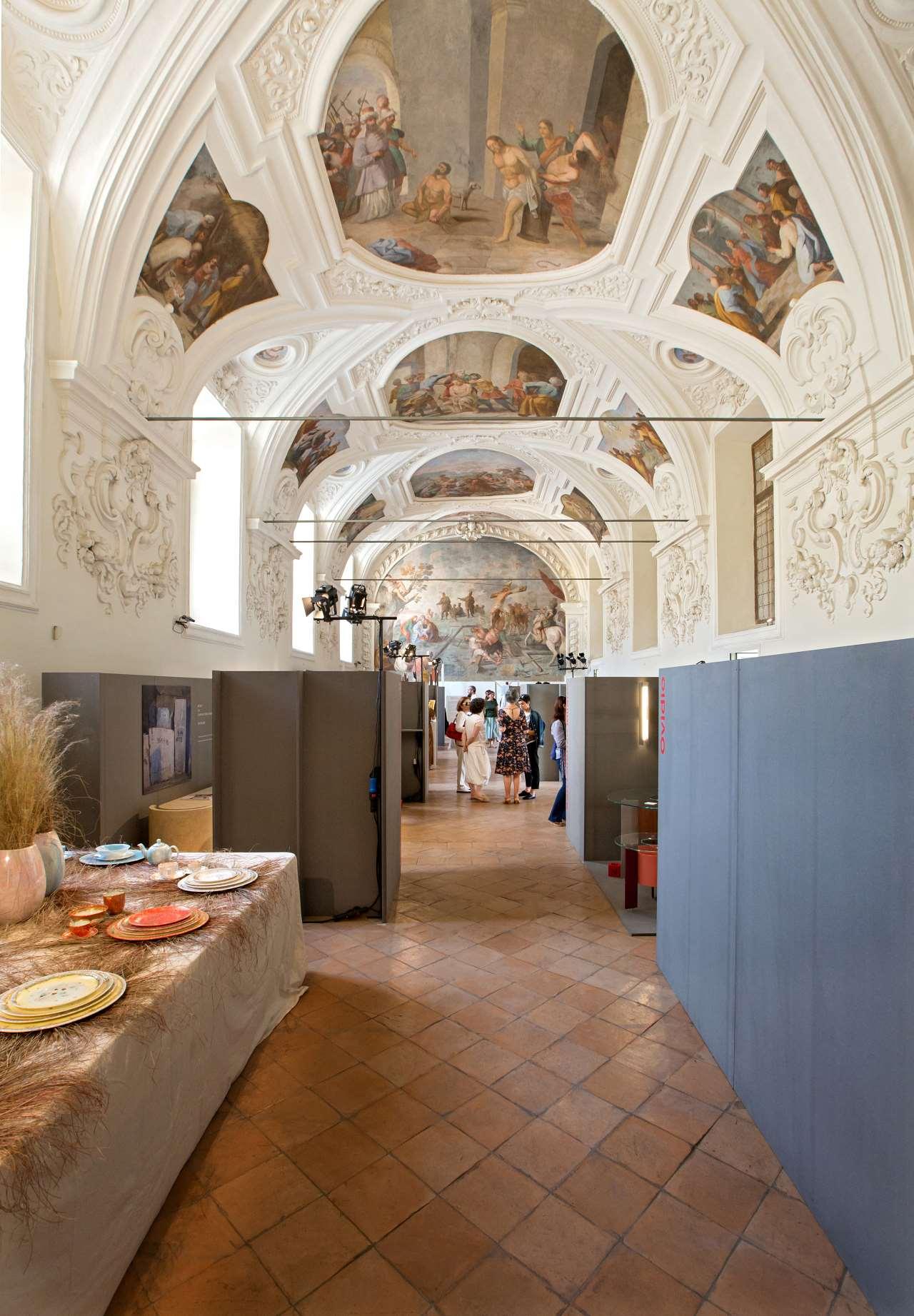 EDIT Napoli exhibition view,Sala del Capitolo in the Complex Chapter San Domenico Maggiore. Photo© Roberto Pierucci.