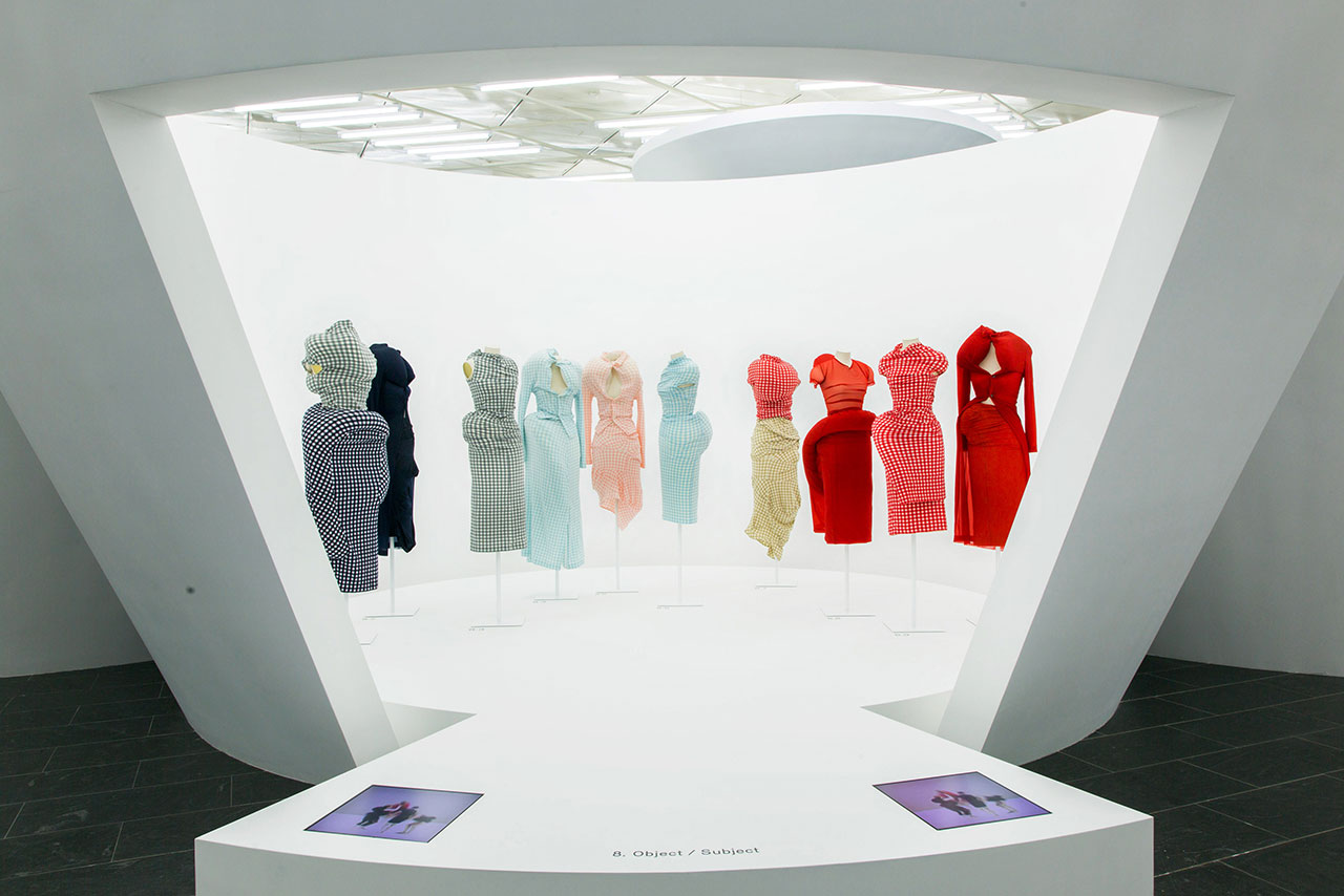 Rei Kawakubo/Comme des Garçons: Art of the In-Between. Gallery View, Object/Subject© The Metropolitan Museum of Art.