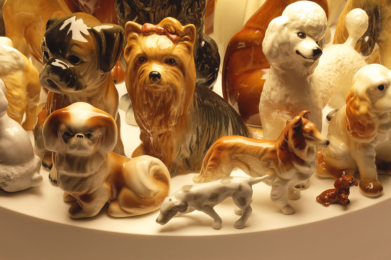 Stuart Haygarth, Raft (dogs), 2009. Corian, spun metal shade and dog figurines. Photo courtesy of the artist.