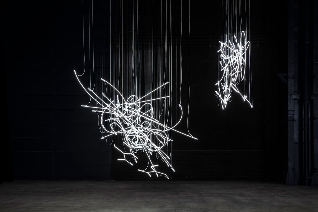 Cerith Wyn Evans, Neon Forms (After Noh), 2015-2019. Installation view at Pirelli HangarBicocca, Milan,  2019. Courtesy of the artist; White Cube; Marian Goodman Gallery, New York, Paris and London, and Pirelli HangarBicocca. Photo: Agostino Osio.