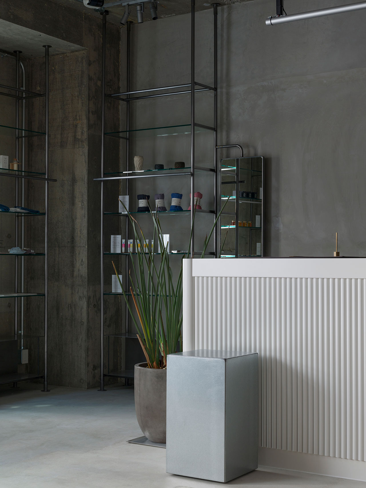 KIRO HIROSHIMA by THE SHARE HOTELS. Interior design by Hiroyuki Tanaka Architects. Photography by Gottingham.