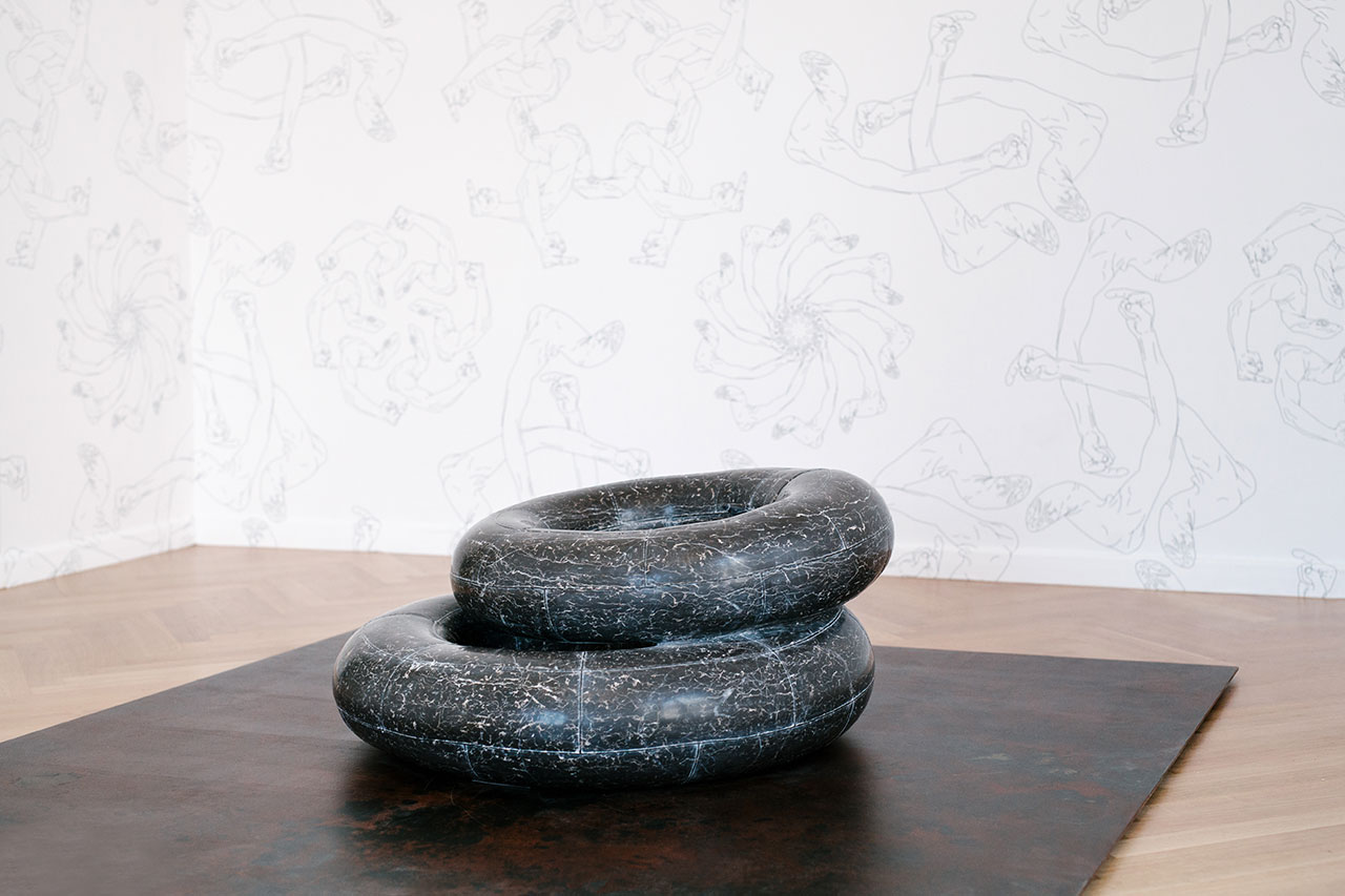 Tyre, 2016. Marble, 100 x 80 x 40 / 80 x 80 x 20 cm. Photo by Paris Tavitian © Museum of Cycladic Art.