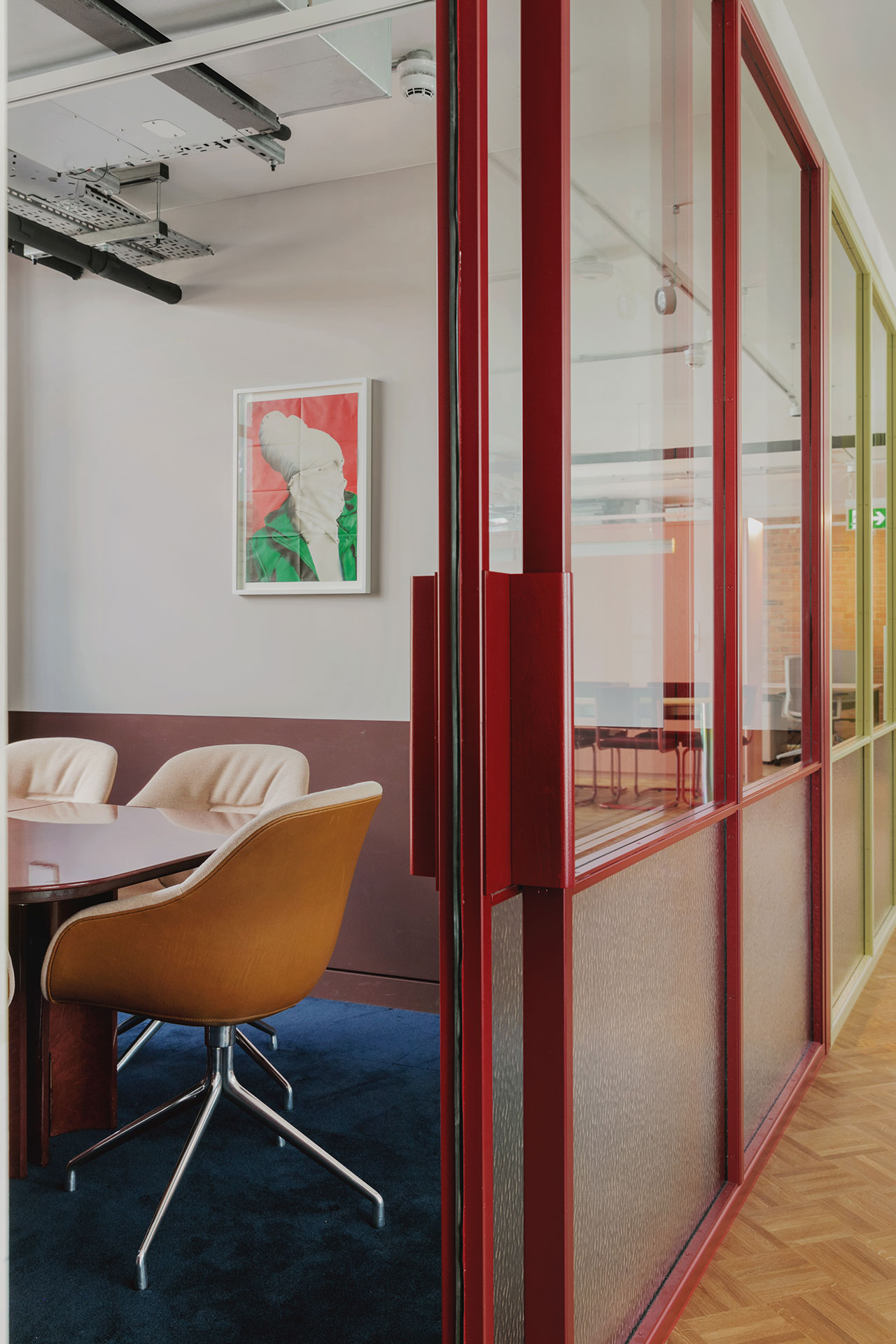 Media offices in London by Daytrip studio. Photography byMariell Lind Hansen.