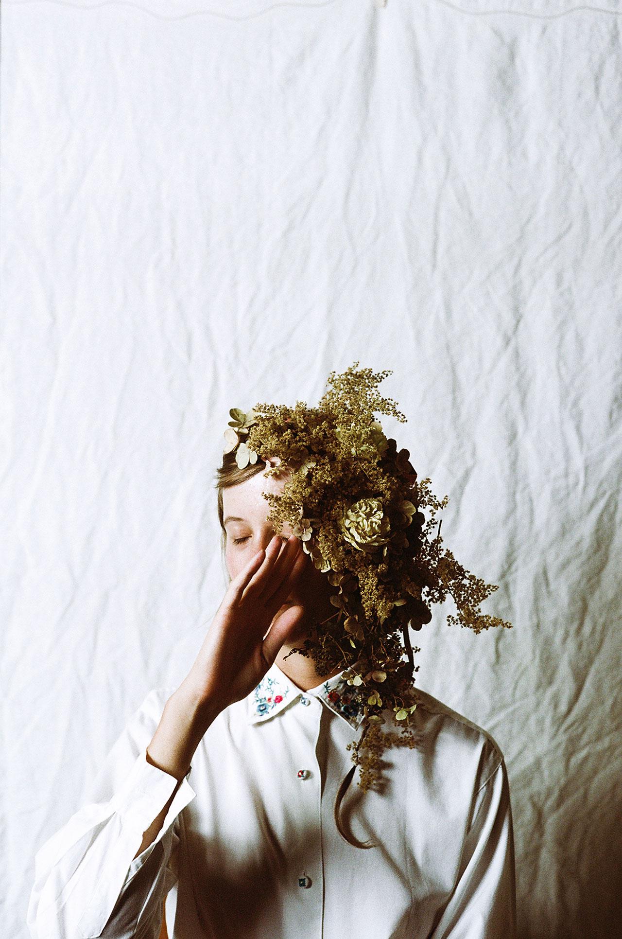 Photo ©Parker Fitzgerald. Floral design byRiley Messina.