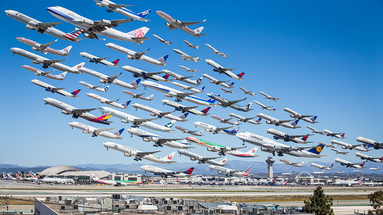 Wake Turbulence, photography by Mike Kelley, from PhotoViz © Gestalten 2016.