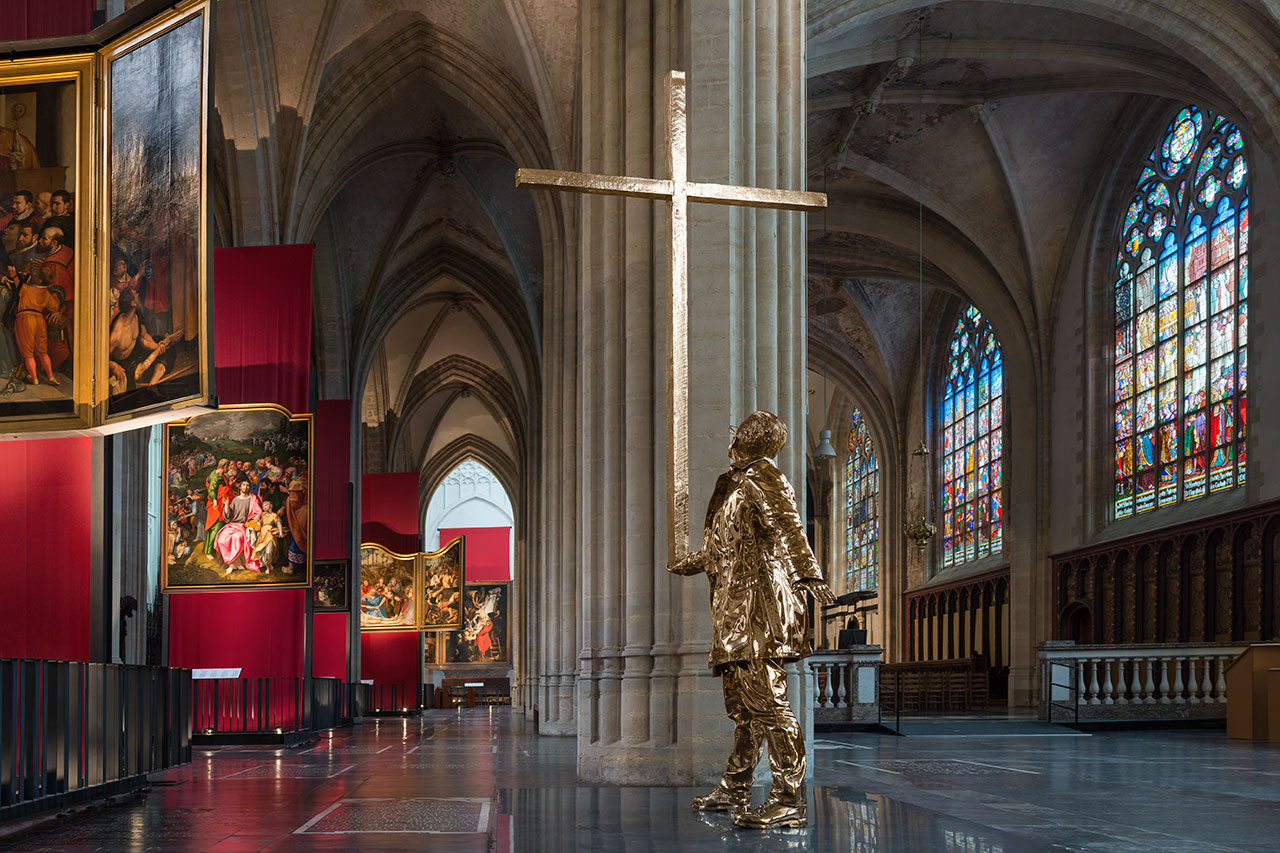 Jan Fabre,The Man who Bears the Cross(2015). Sculpture, permanently installed at the Cathedral of Our Lady in Antwerp, Belgium. Photo byAttilio Maranzano © Angelos bvba.