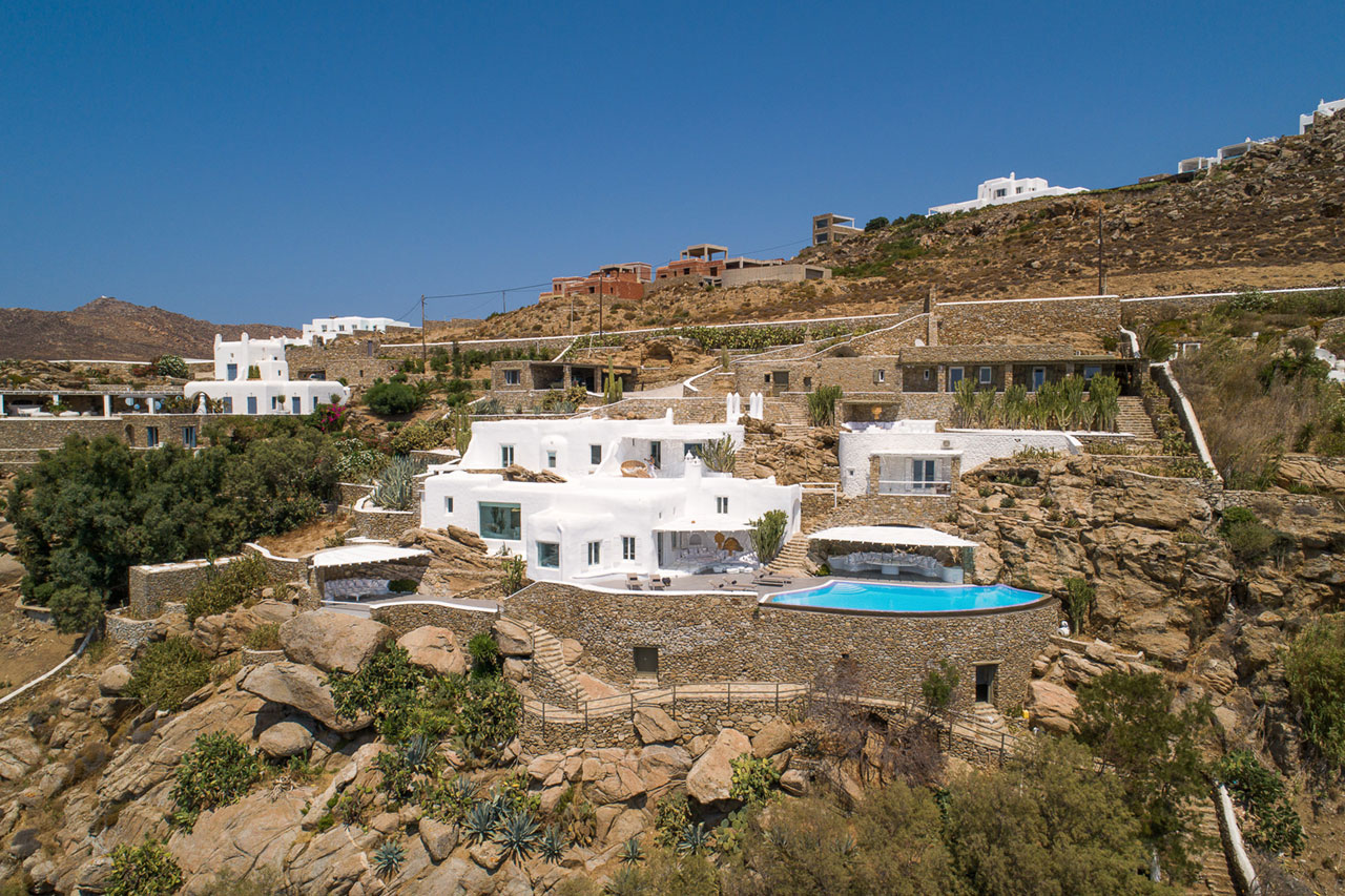 "Villa Feelings, Tourlos, Mykonos. Photo by George Fakaros ""UNIQUE IMAGING""."