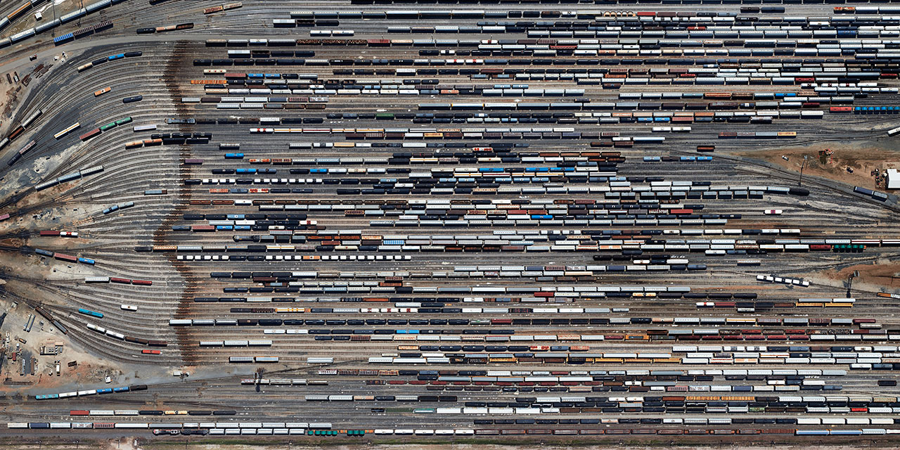 Exodus, photography by Marcus Lyon, from PhotoViz © Gestalten 2016.