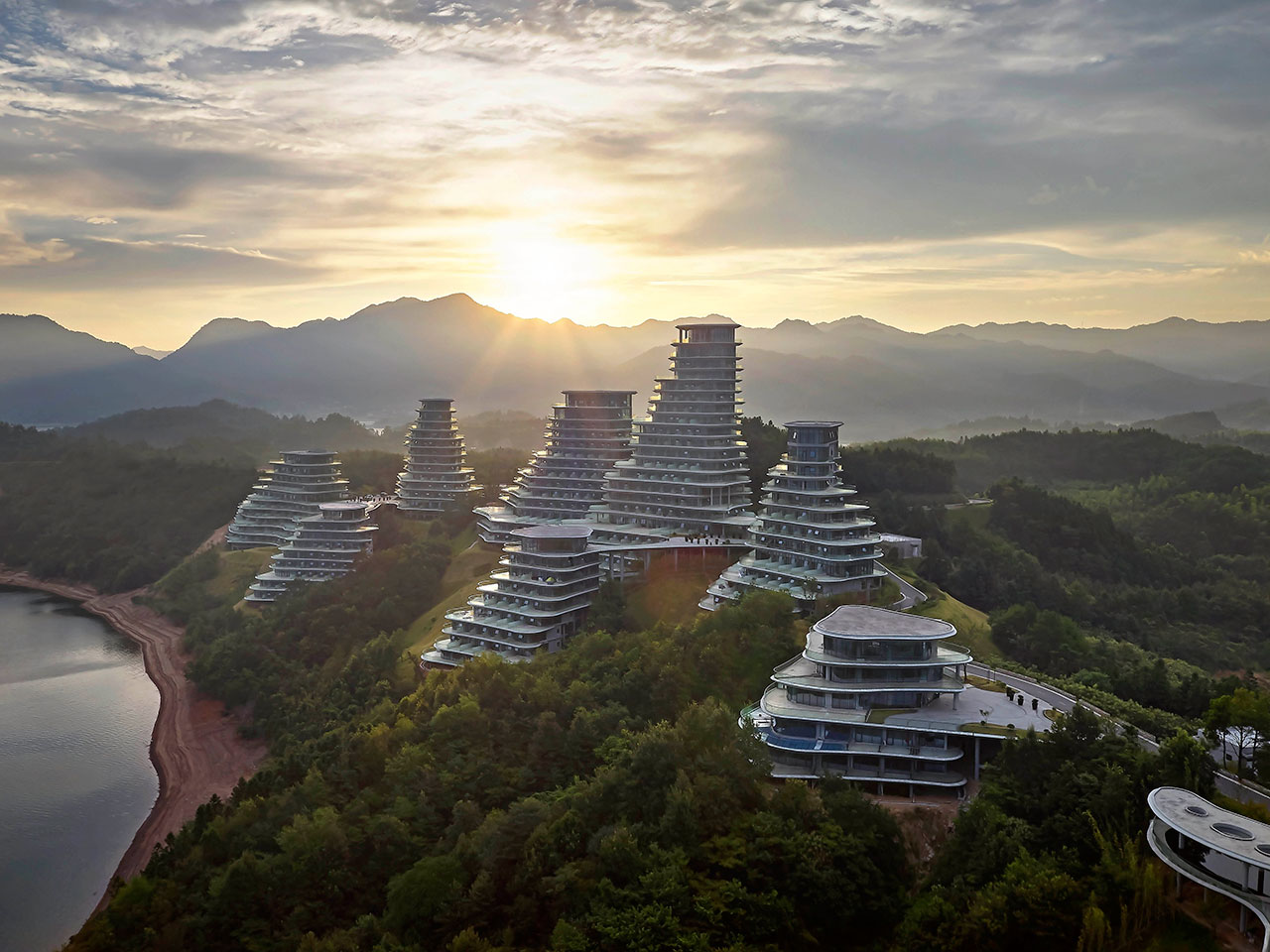 BMW Mountain View >> The Spiritual Symbiosis of Architecture and Nature in ...