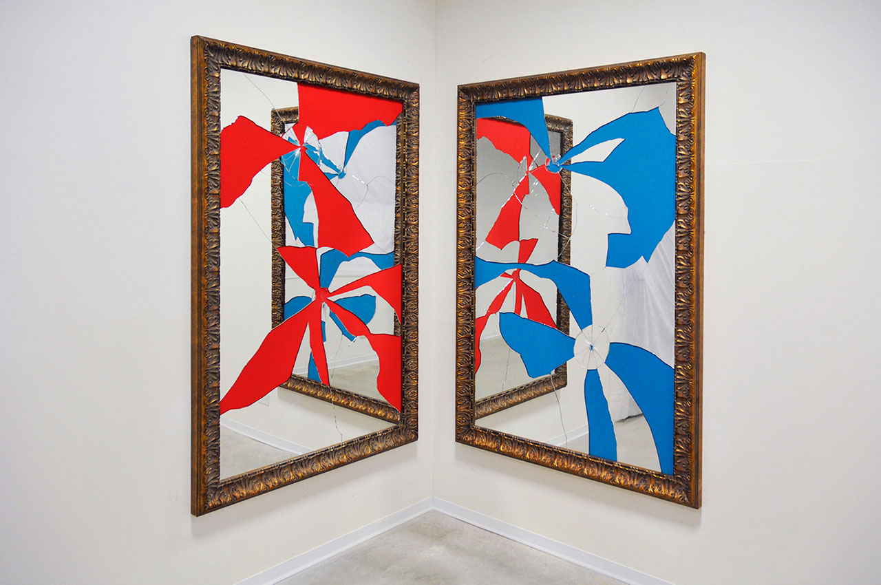Michelangelo Pistoletto, Two Less One Colored, 2015, mirror, gilded wood, 180 x 120 cm each. Courtesy GALLERIA CONTINUA, San Gimignano, Beijing, Les Moulins, Habana. Photo by Duccio Benvenuto.