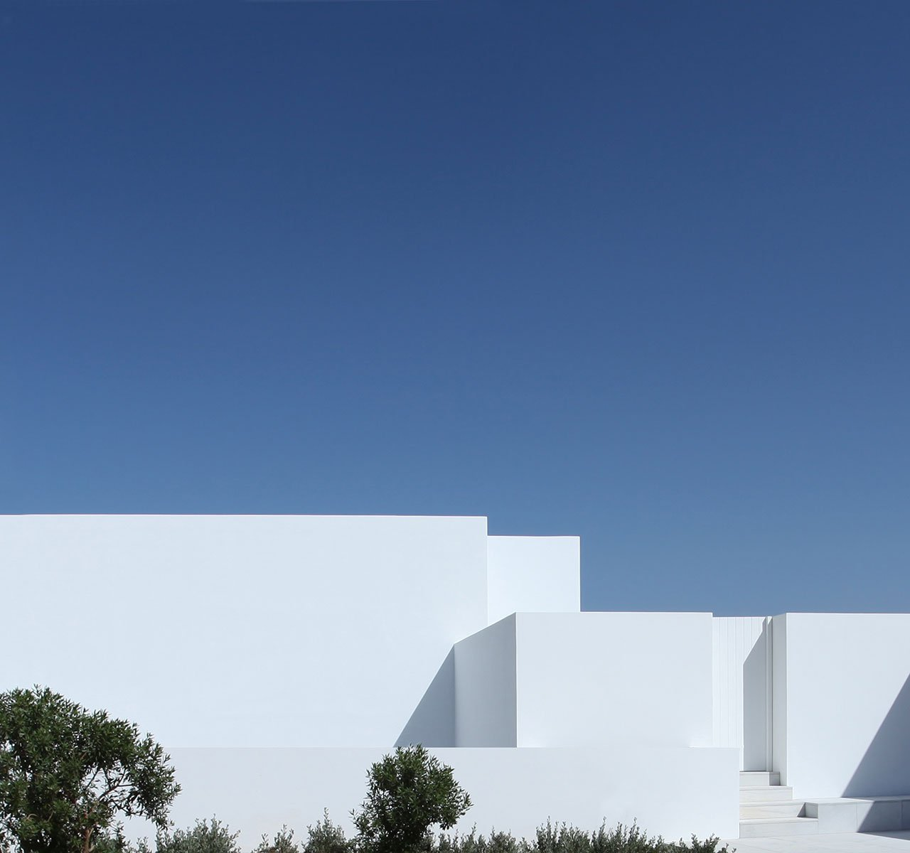 House in Antiparos, Greece. Photo © Nicos Valsamakis.