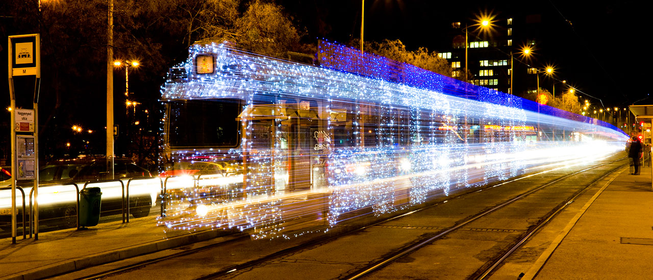 Christmas Tram, photography by Szolt Andrasi, from PhotoViz © Gestalten 2016.