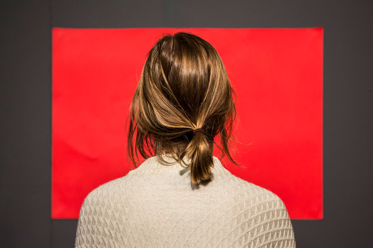 Looking at Colours (Red). Photo by Peter Greig. Image Courtesy of Marina Abramović Institute and Kaldor Public Art Projects.