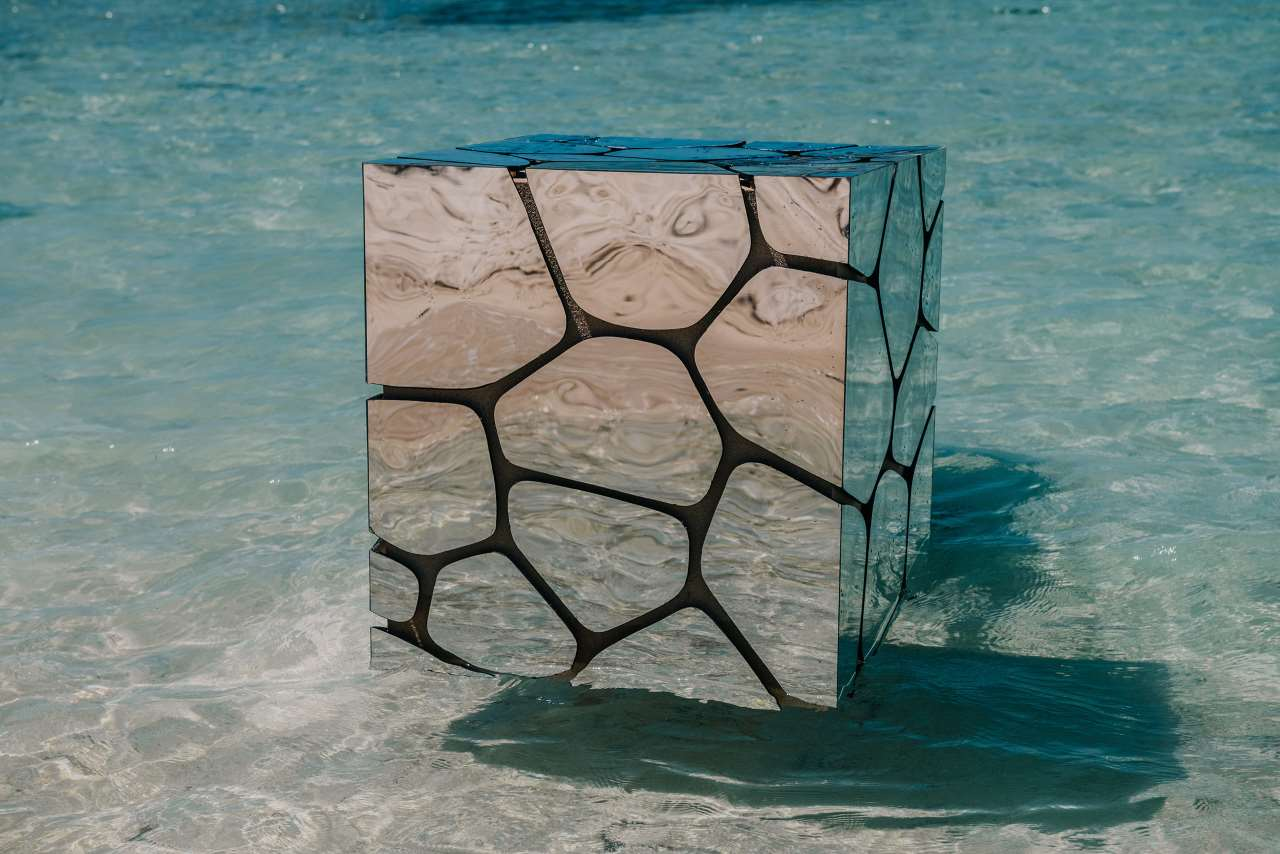 Aqua Bar Cube Silver by architect Francesco Maria Messina for Cypraea.