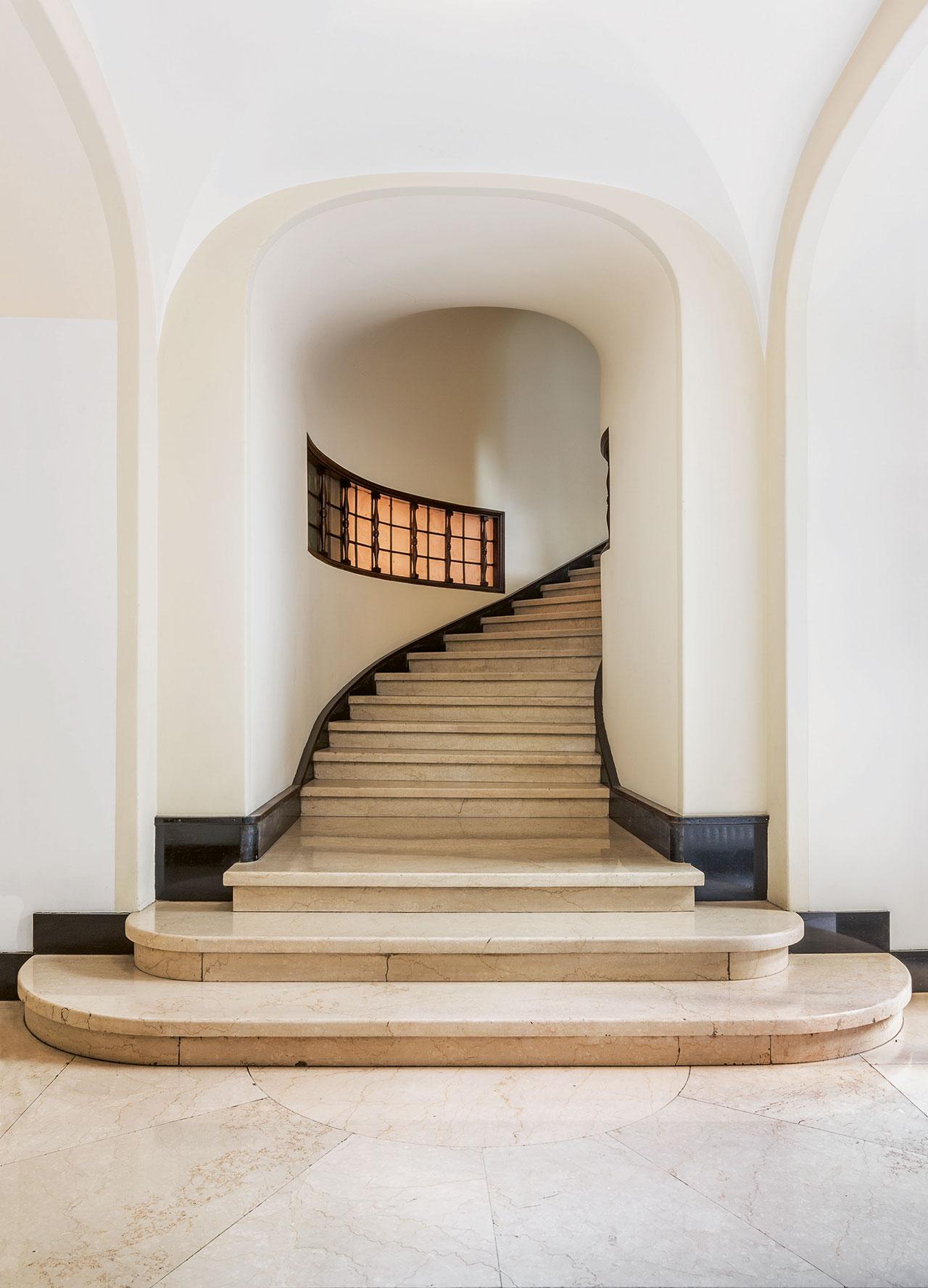Palazzo Sola-Busca, Aldo Andreani, 1924–30. Stairs: Botticino limestone. Photo© Delfino Sisto Legnani.