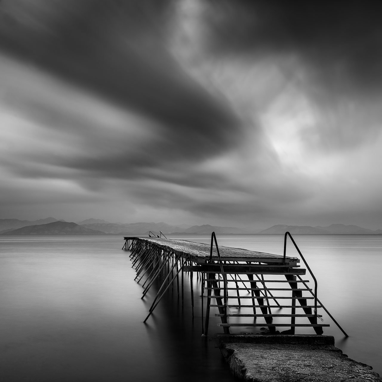 George Digalakis, Fade to black. © George Digalakis.