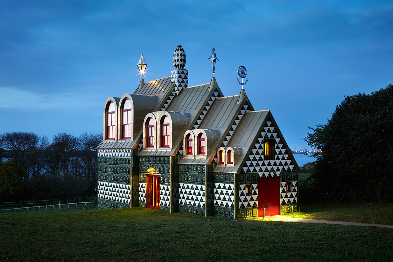 LIVING THE MYTH, Essex, United Kingdom. Architecture/Interior Design by FAT Architecture, Artist Grayson Perry, Photography by Jack Hobhouse, from Kaleidoscope © Gestalten 2016.