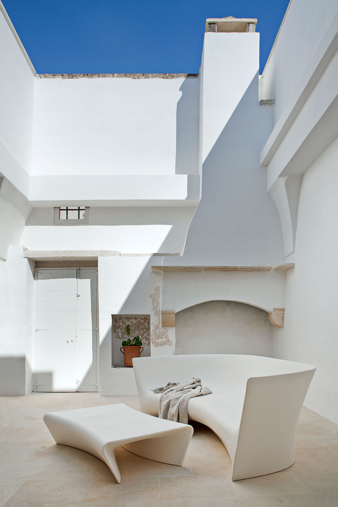 at home in puglia with ludovica roberto palomba yatzer photo by francesco bolis