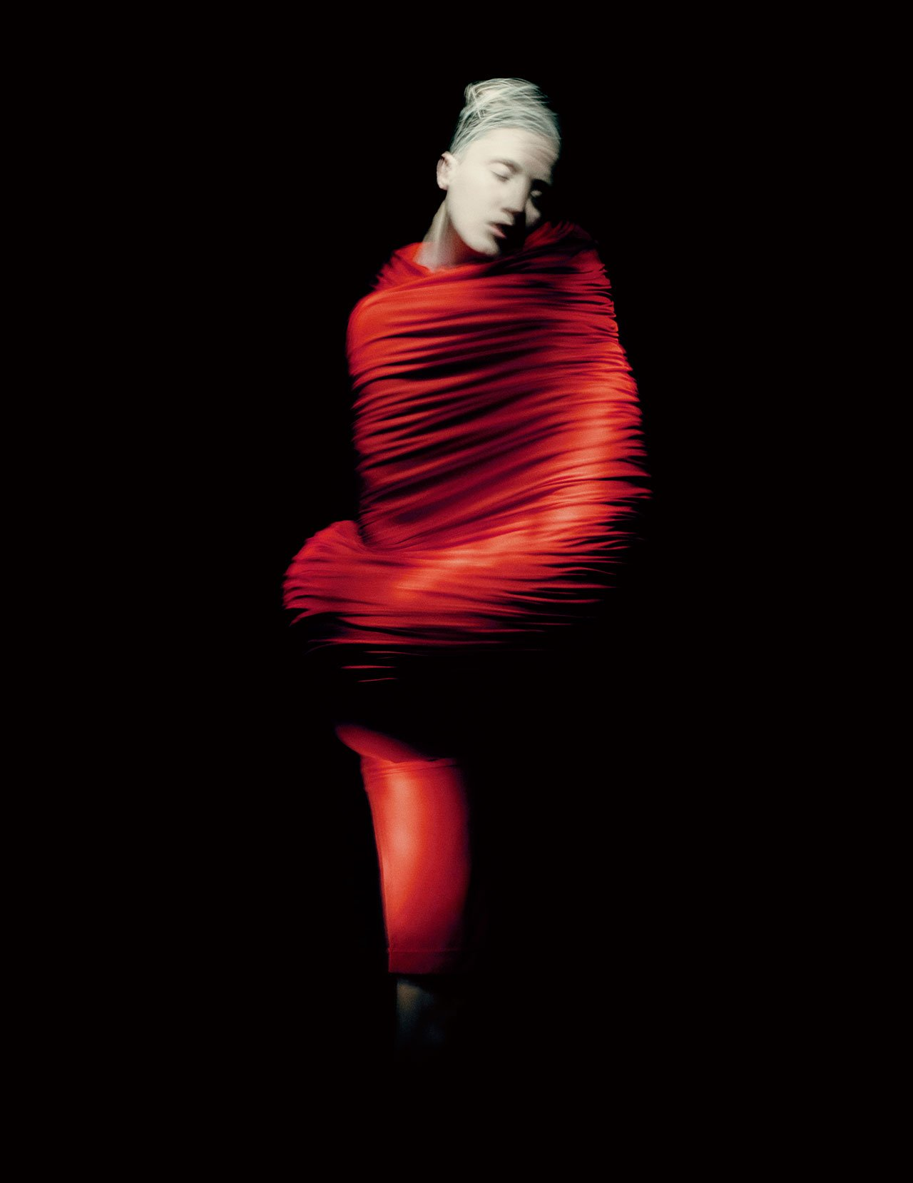 Rei Kawakubo for Comme des Garçons. Body Meets Dress–Dress Meets Body, spring/summer 1997; Courtesy of Comme des Garçons. Photograph by © Paolo Roversi; Courtesy of The Metropolitan Museum of Art.