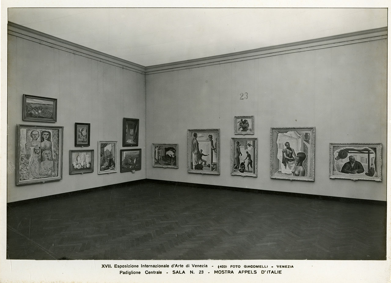 """Appels d'Italie"" room, XVII Biennale, Venezia, 1930. Among the exhibited works, A Naturalist's Study (1928) by Pierre Roy - For the work © Pierre Roy by SIAE 2018 © La Biennale di Venezia, ASAC, Photo Library – ""Attualità e Allestimenti"" series – Appels d'Italie show, room 23, XVII. International Art Exhibition, 1930. Photo Giacomelli."