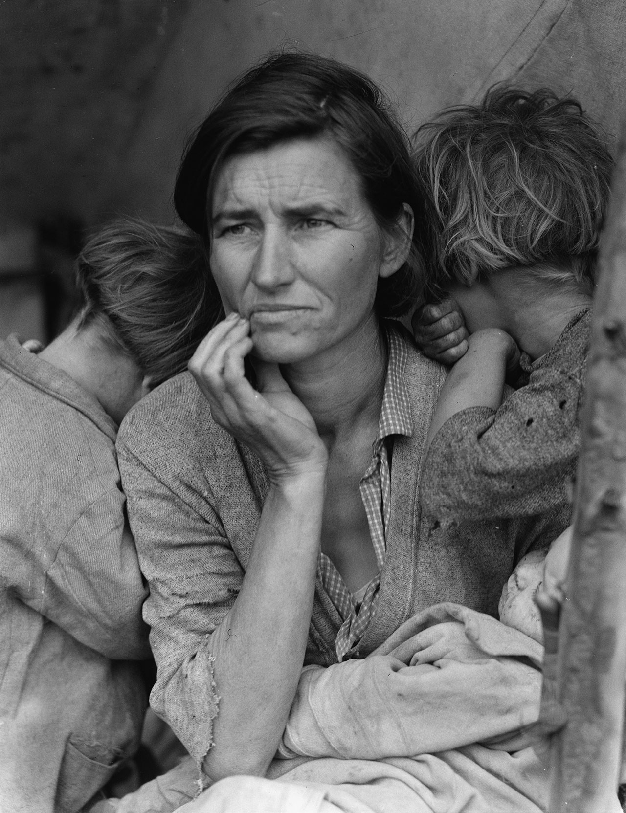 Dorothea Lange, Destitute pea pickers in California. Mother of seven children. Age thirty-two. Nipomo, California, 1936.