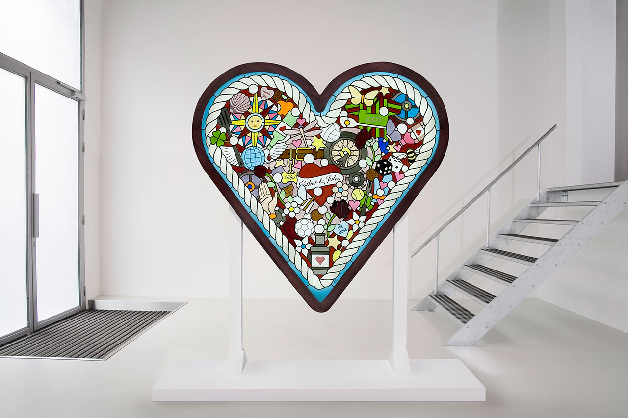 HEART, 2012–13. Stained and enameled handblown glass, patinated lead, Indian rosewood, neon light fittings. Private collection. Photo by Loek Blonk.