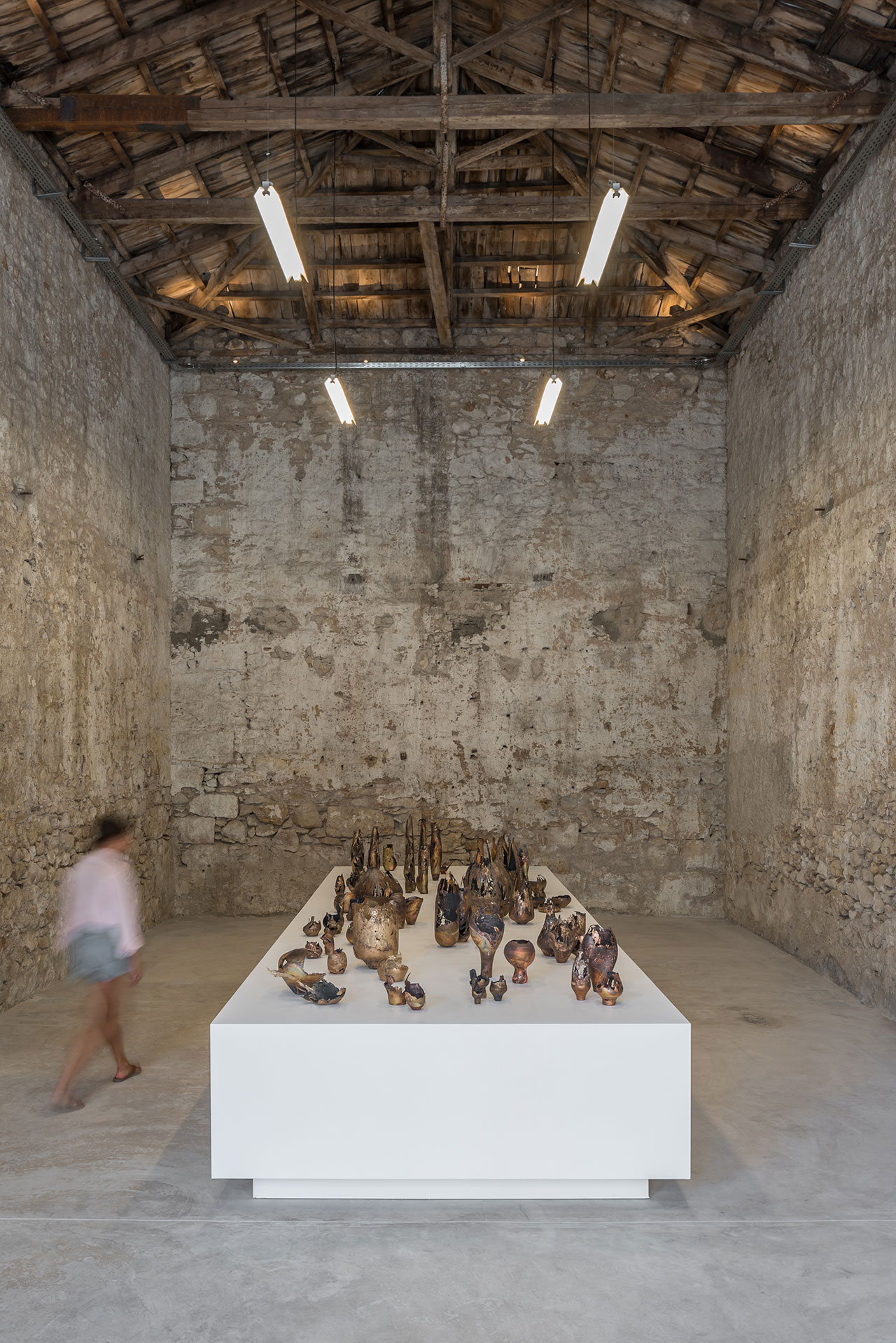 Exhibition view. Omer Arbel - 133 at Carwan gallery, Athens. Photo by Giorgos Sfakianakis.