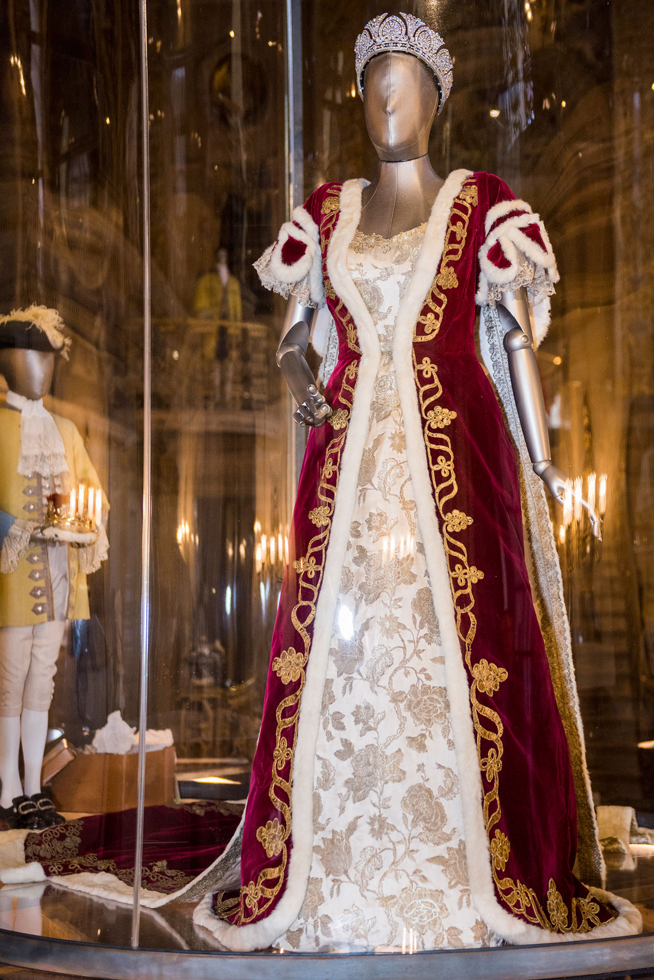 Coronation Robe in the Painted Hall at Chatsworth House Style. Photo courtesy Chatsworth House Trust.