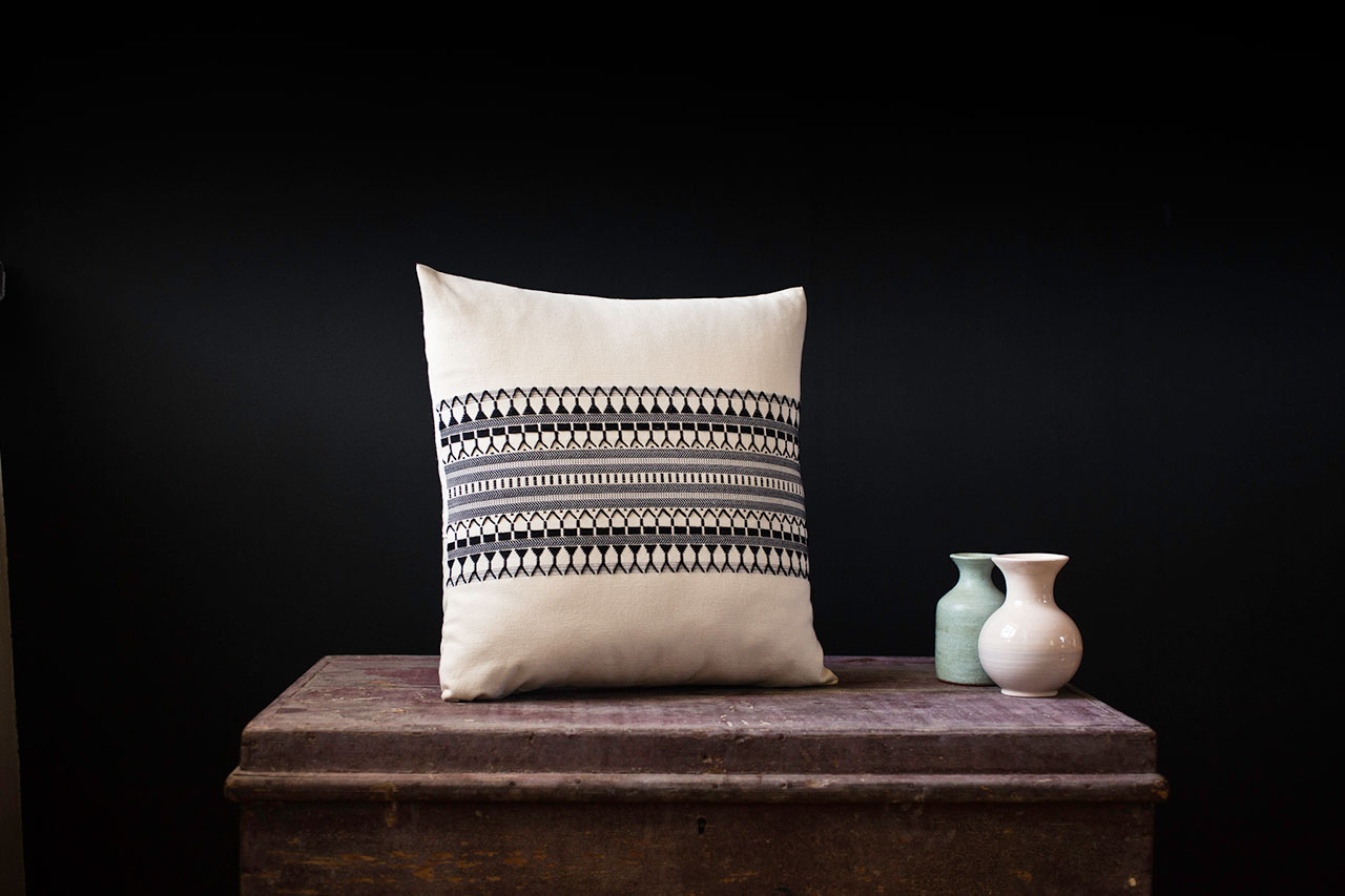 Schemata Series, Star Pulses, Handwoven Cushion Cover, 42 x 42cm, Cotton. Photo by Panagiotis Mina.