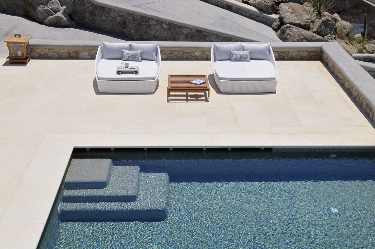 Villa Peace & Villa Titos Combo, Pouli, Mykonos. Photo © Kinglike Concierge.