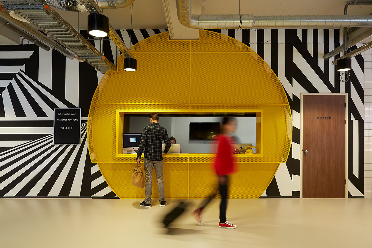 The Student Hotel Amsterdam West. Check in counter, photo © Kasia Gatkowska x …,staat.