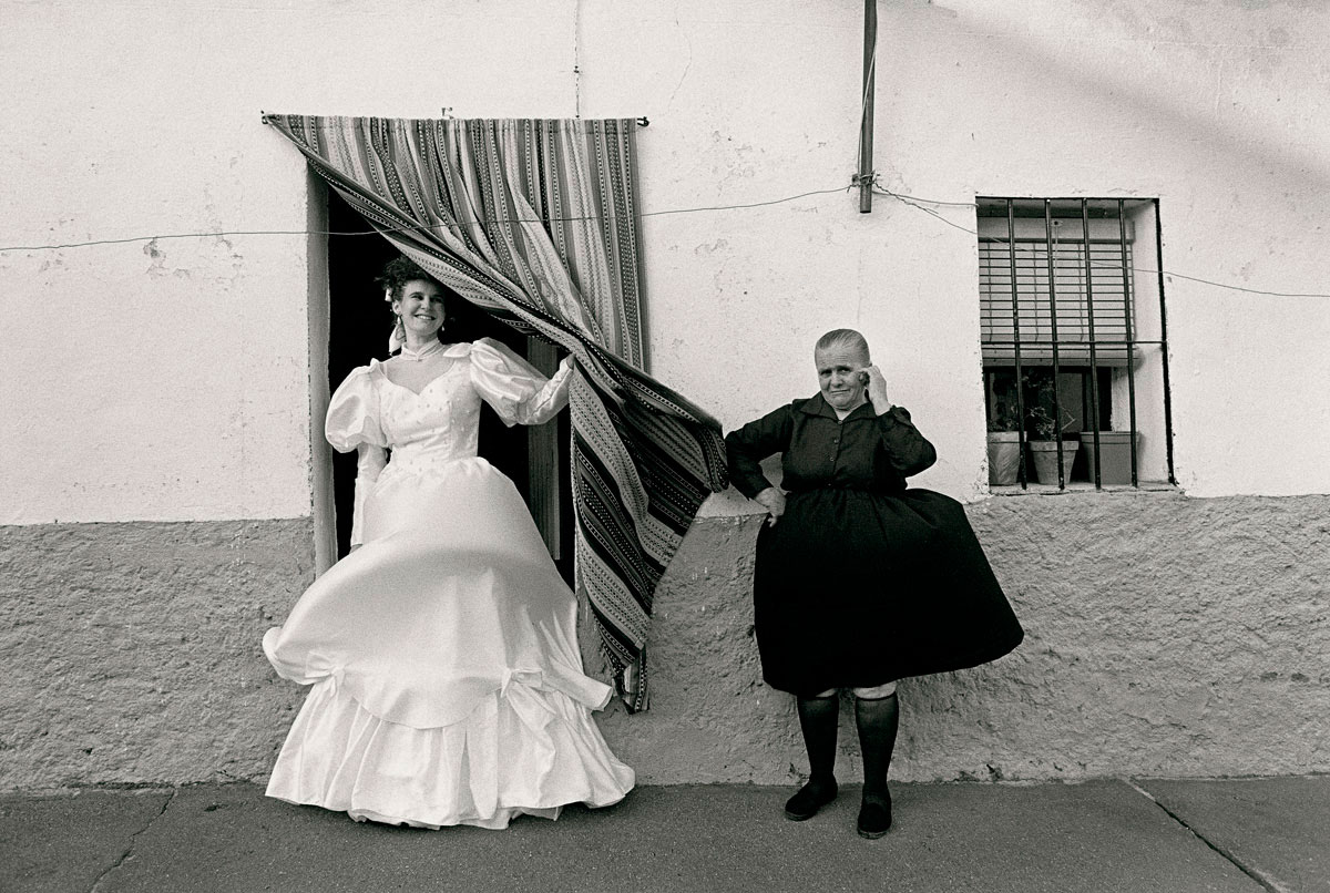 Cristina García Rodero, Loli's wedding, Morcillo, 1991 © Cristina García Rodero/Magnum Photos. Courtesy Photo Colectania, Barcelona, Spain.