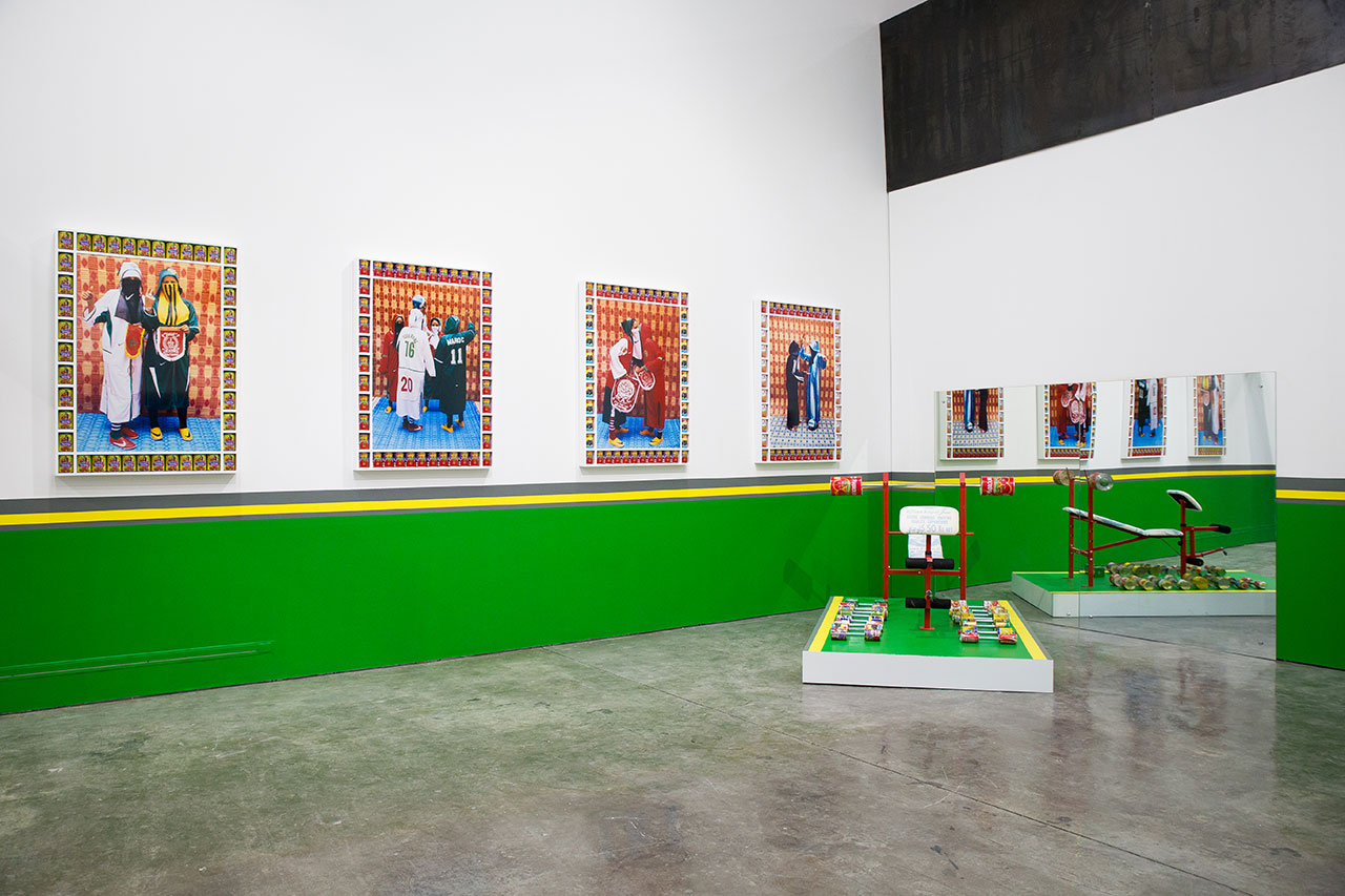 Hassan Hajjaj, La salle de gym des femmes Arabes, The Third Line, 2016. Photo courtesy Angelo, Alserkal Avenue.