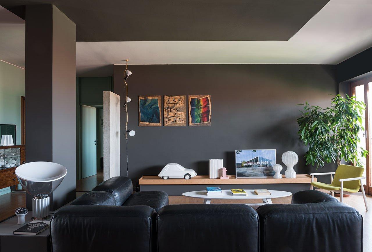 Calvi Brambilla apartment.Varaschin,'Poggiano'coffee table, 2010 and Varaschin, 'Lapis family'indoor furniture collection chair, 2011 by Calvi Brambilla. Photo by Denise Bonenti.