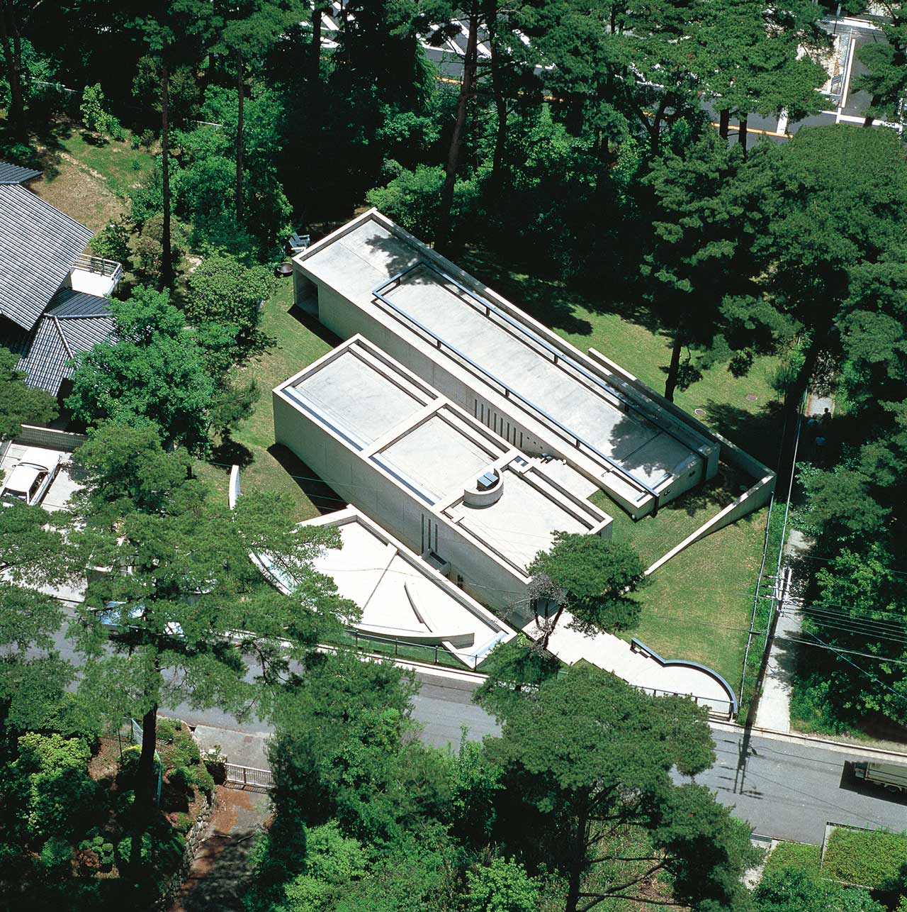 Koshino House, 1981/1984, Ashiya, Hyogo. Photo by Shinkenchiku-sha.