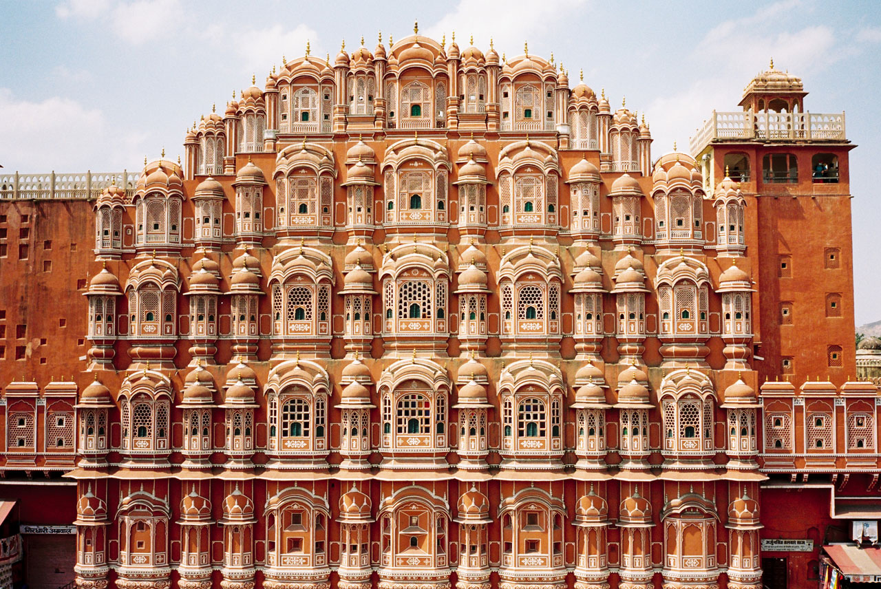 A Pocket of India. Hawa Mahal Palace built in 1799 by Maharaja Sawai Pratap Singh, photo © Julian Lucas.