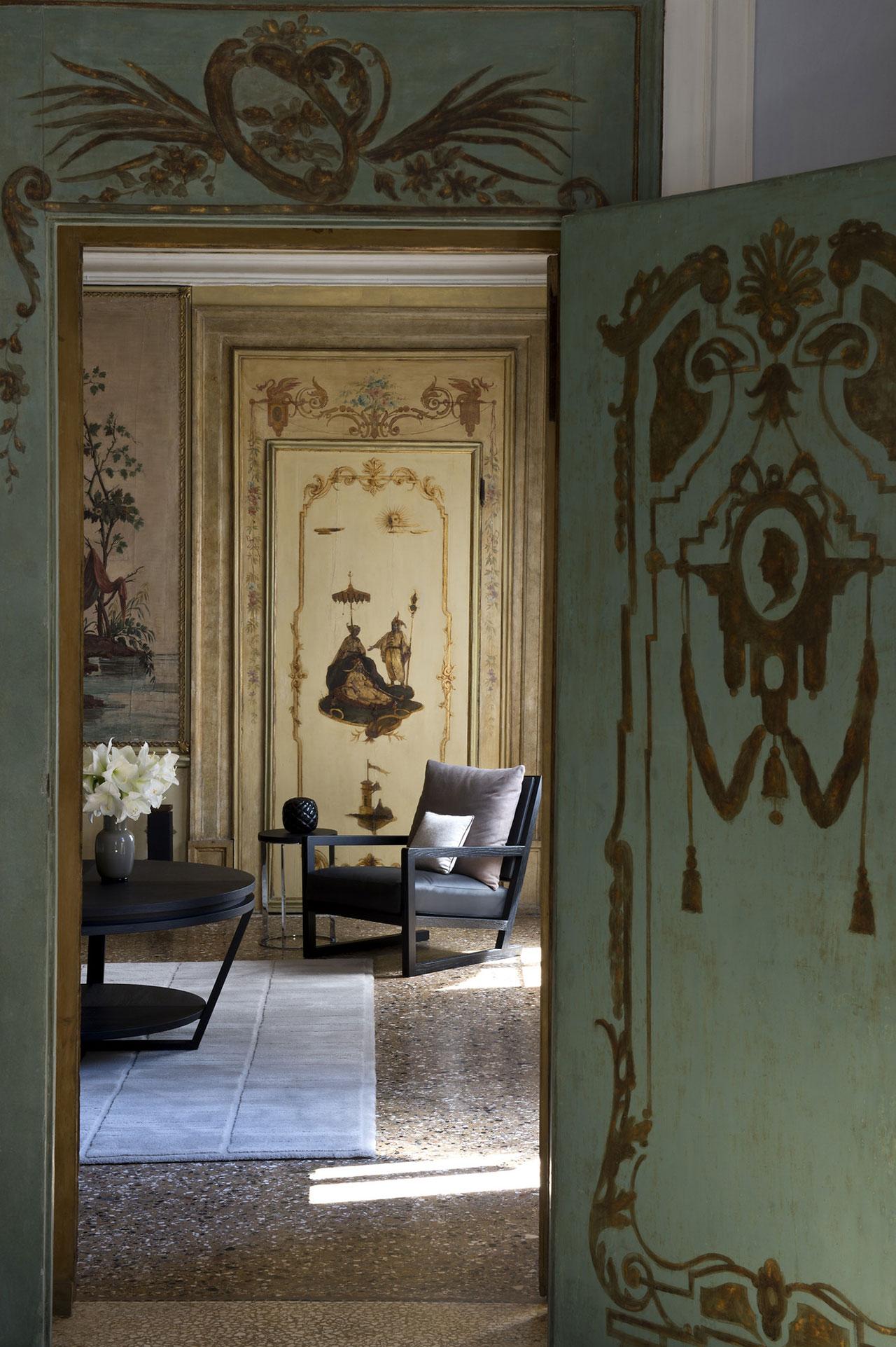 Alcova Tiepolo Suite, photo © Aman Canal Grande Hotel, Venice, Amanresorts.