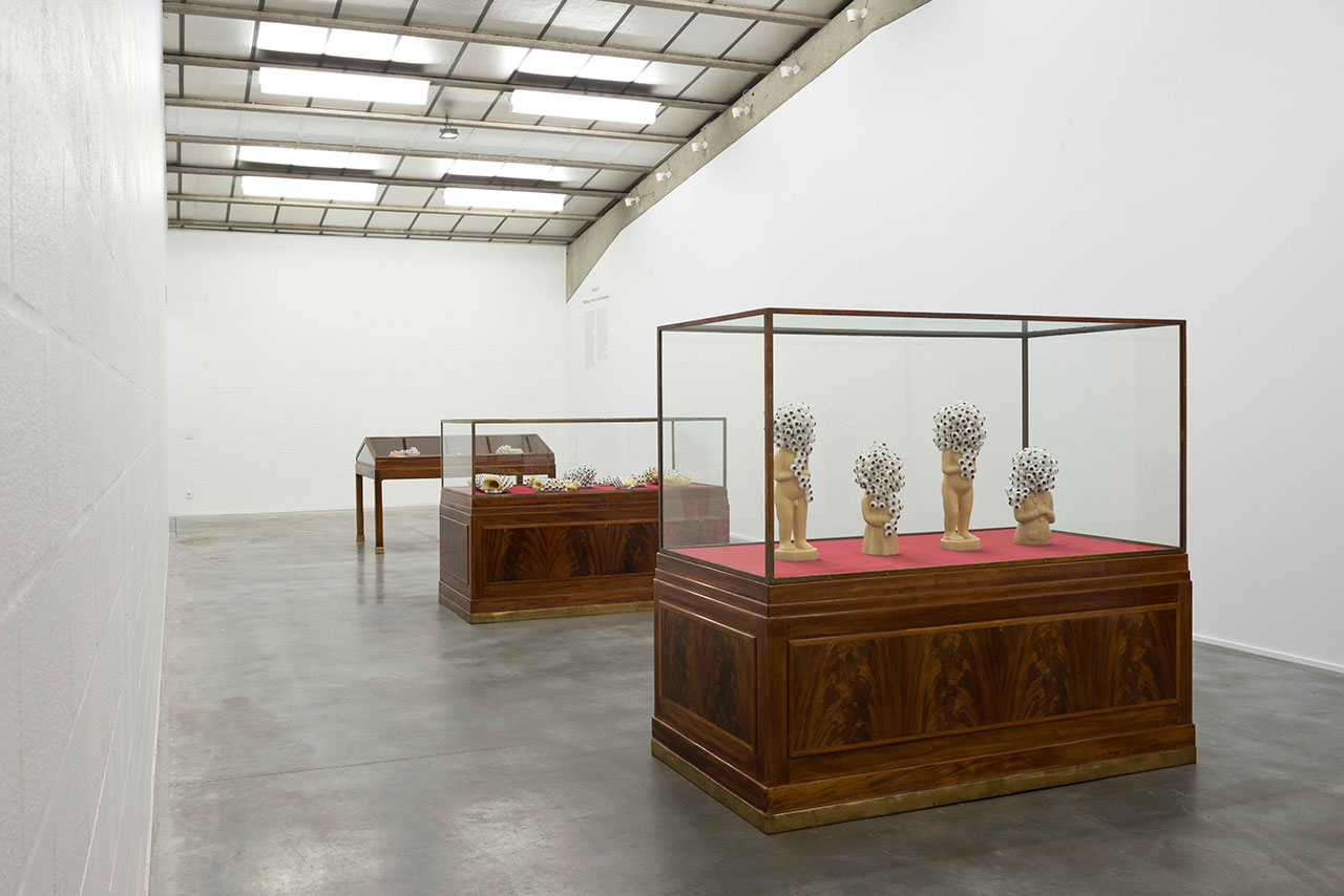 Jan Fabre, 30 Years-7 Rooms.Exhibition view, Room IV – Offerings to the God of insomnia © Deweer Gallery, Otegem Belgium, 2015.