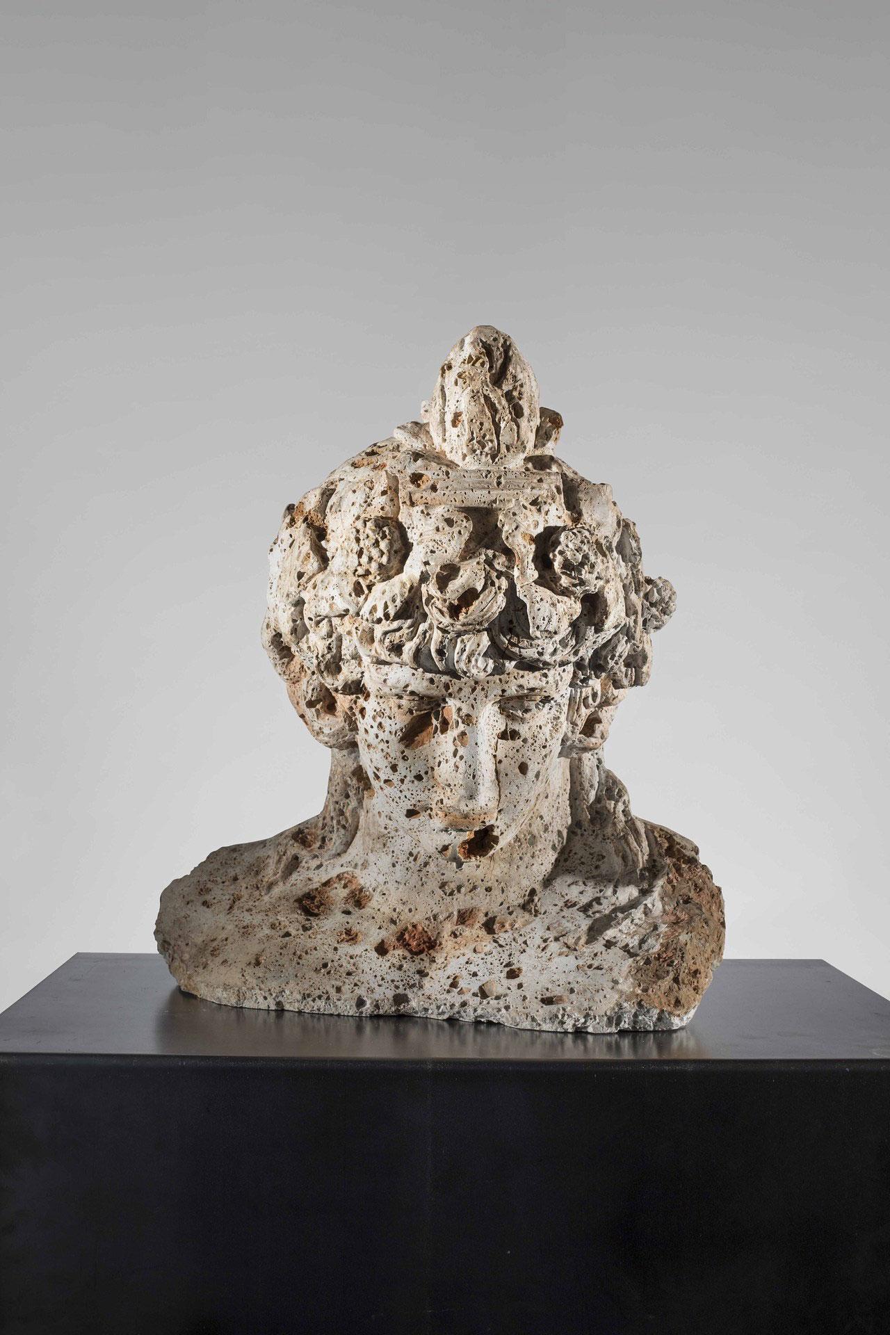 Massimiliano Pelletti,Fallen Dioniso, 2017. Calcare grottoso, 59 x 52 x 35 cm.