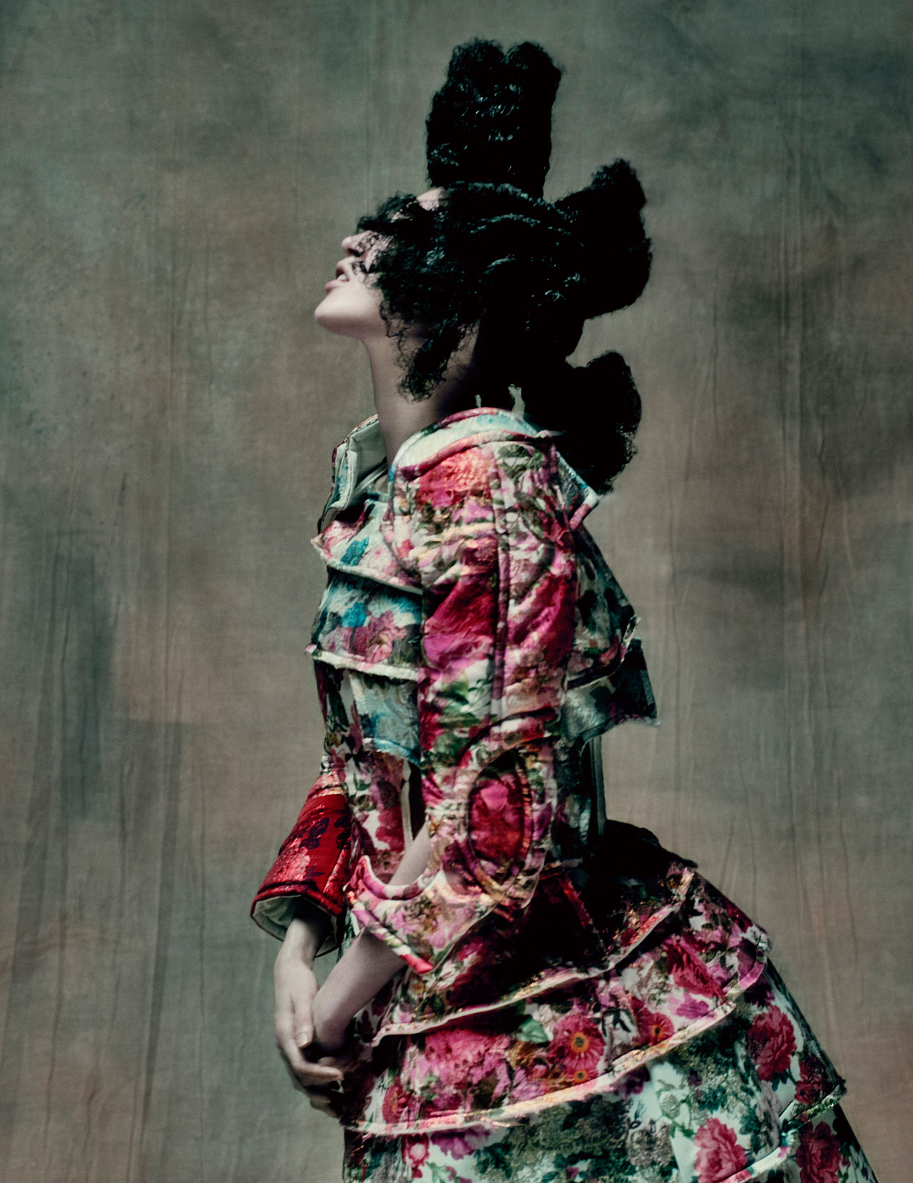 Rei Kawakubo for Comme des Garçons. 18th-Century Punk, autumn/winter 2016–17; Courtesy of Comme des Garçons. Photograph by © Paolo Roversi; Courtesy of The Metropolitan Museum of Art.