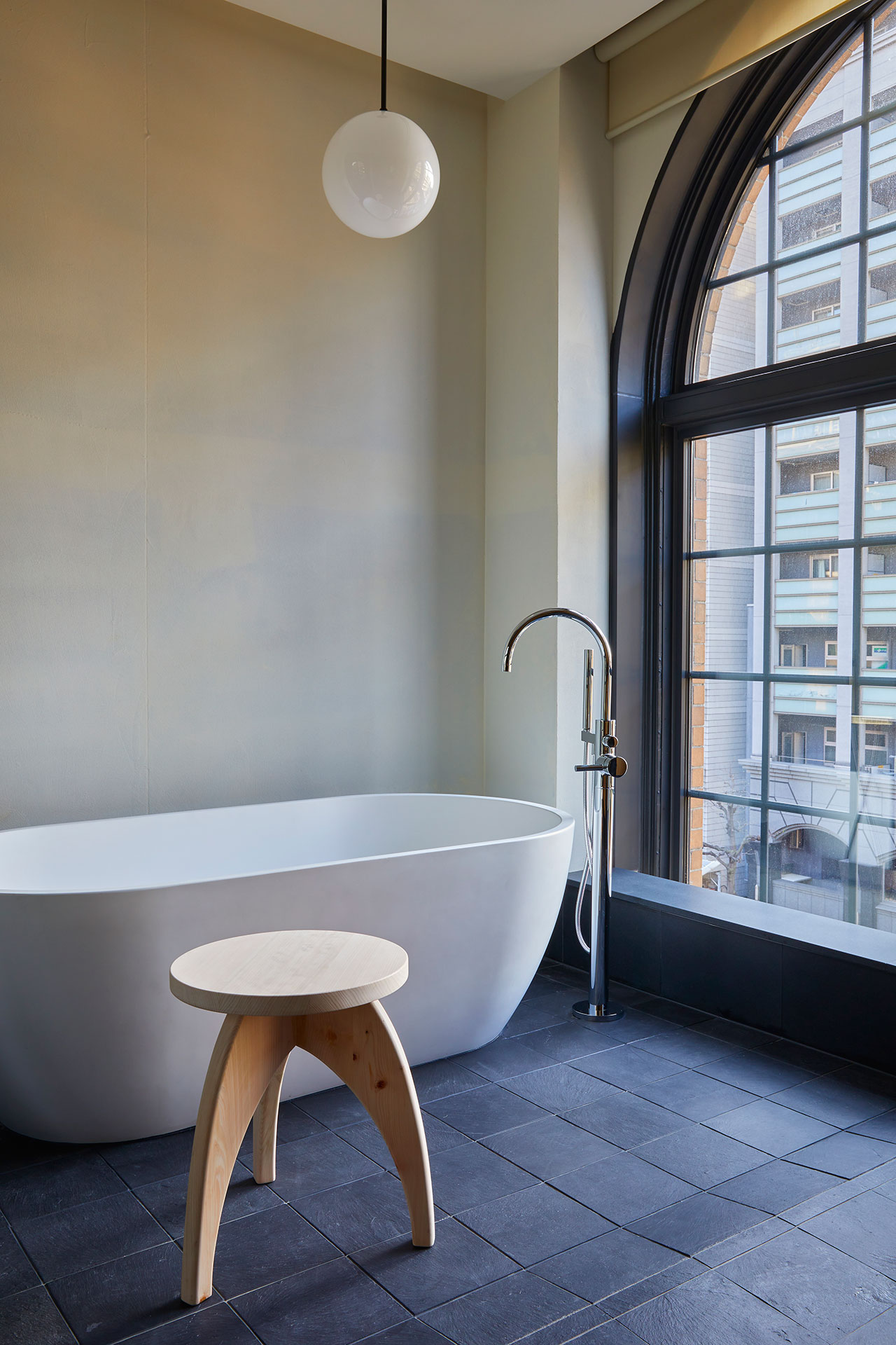 Ace Hotel Kyoto. Guestroom bathroom. Photo by Yoshihiro Makino.