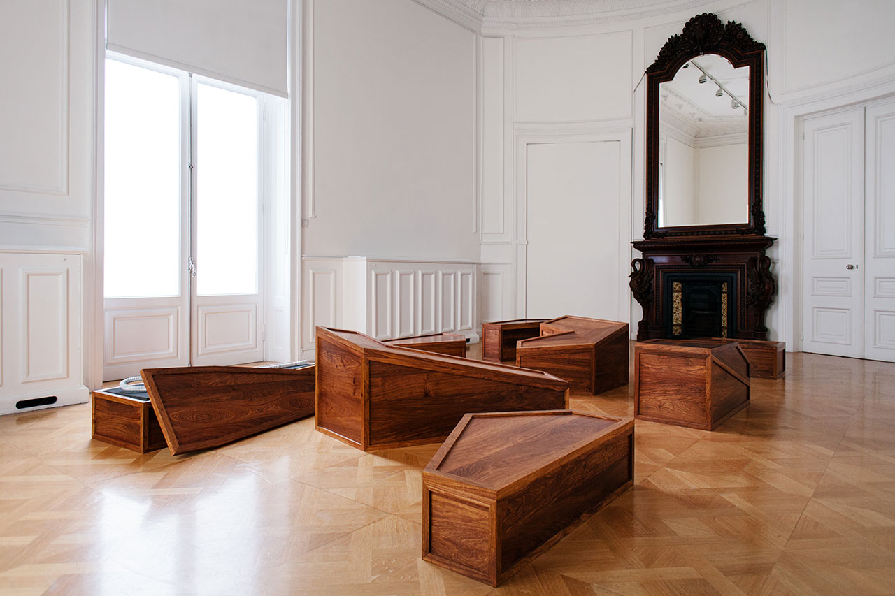 Rebar & Case, 2014. Huali wood, marble and foam, dimensions variable. Photo by Paris Tavitian © Museum of Cycladic Art.